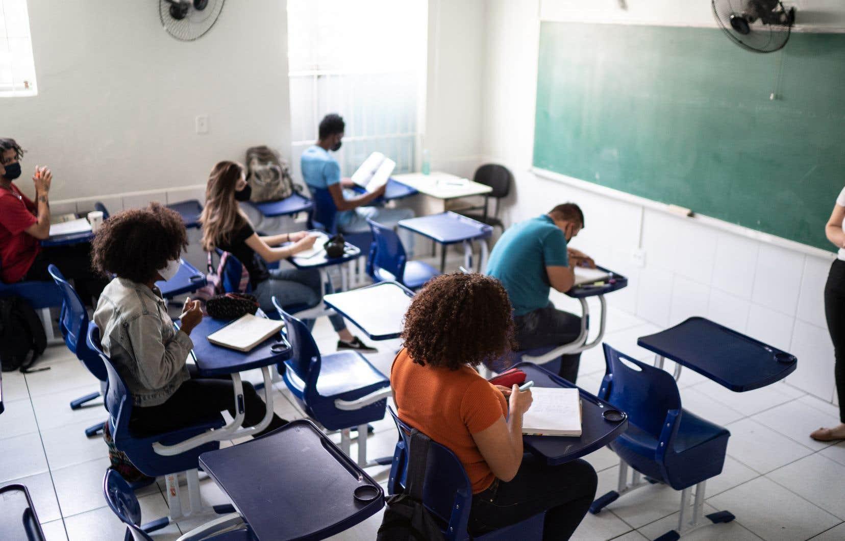 De tous les  étudiants  internationaux dans le réseau collégial, près de la moitié  proviennent  de l'Inde (7687), dépassant les  effectifs de la France (4072), selon les  données  préliminaires  de 2019.