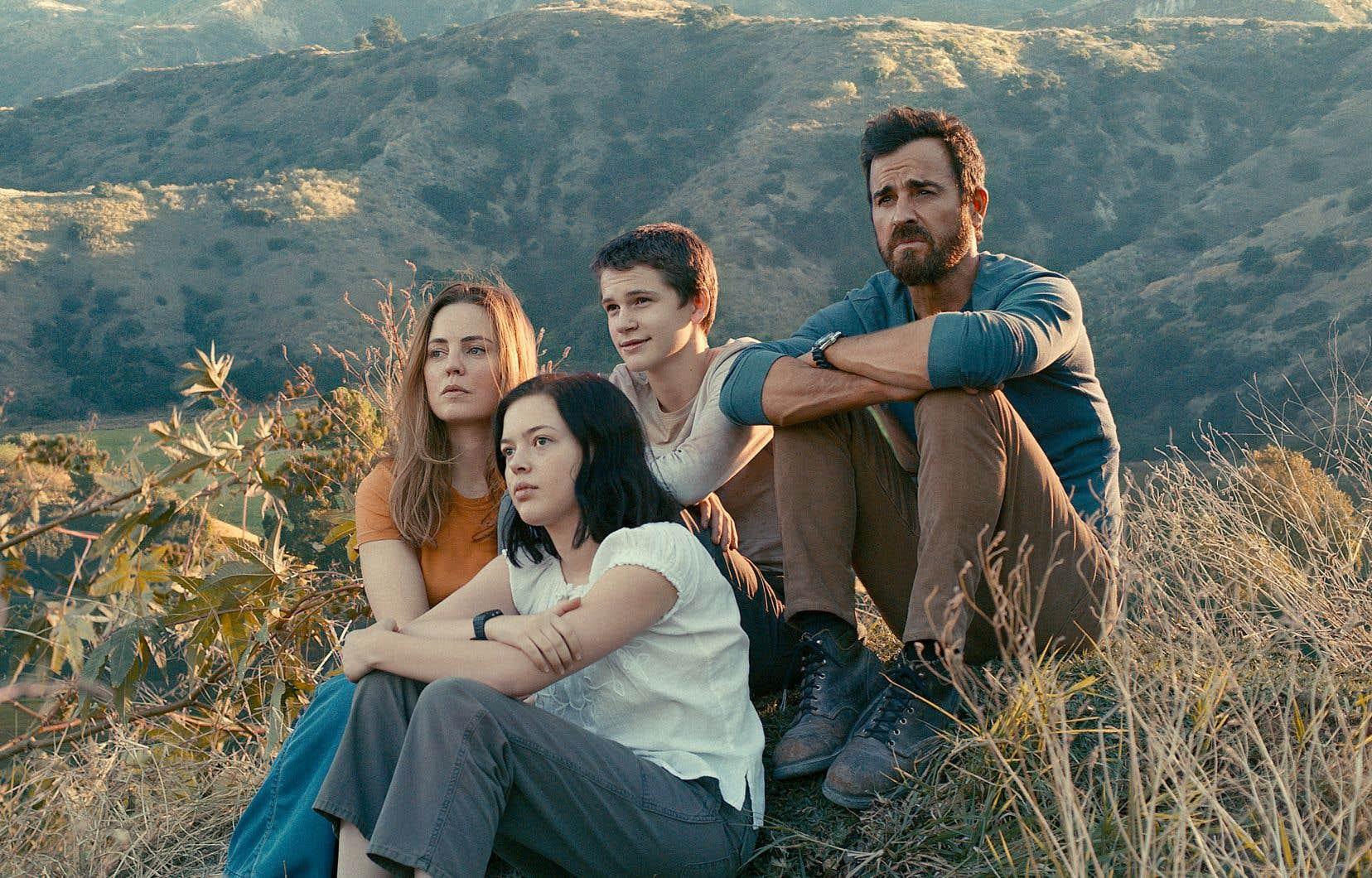 Les acteurs Melissa George, Logan Polish, Gabriel Bateman et Justin Theroux dans «The Mosquito Coast»