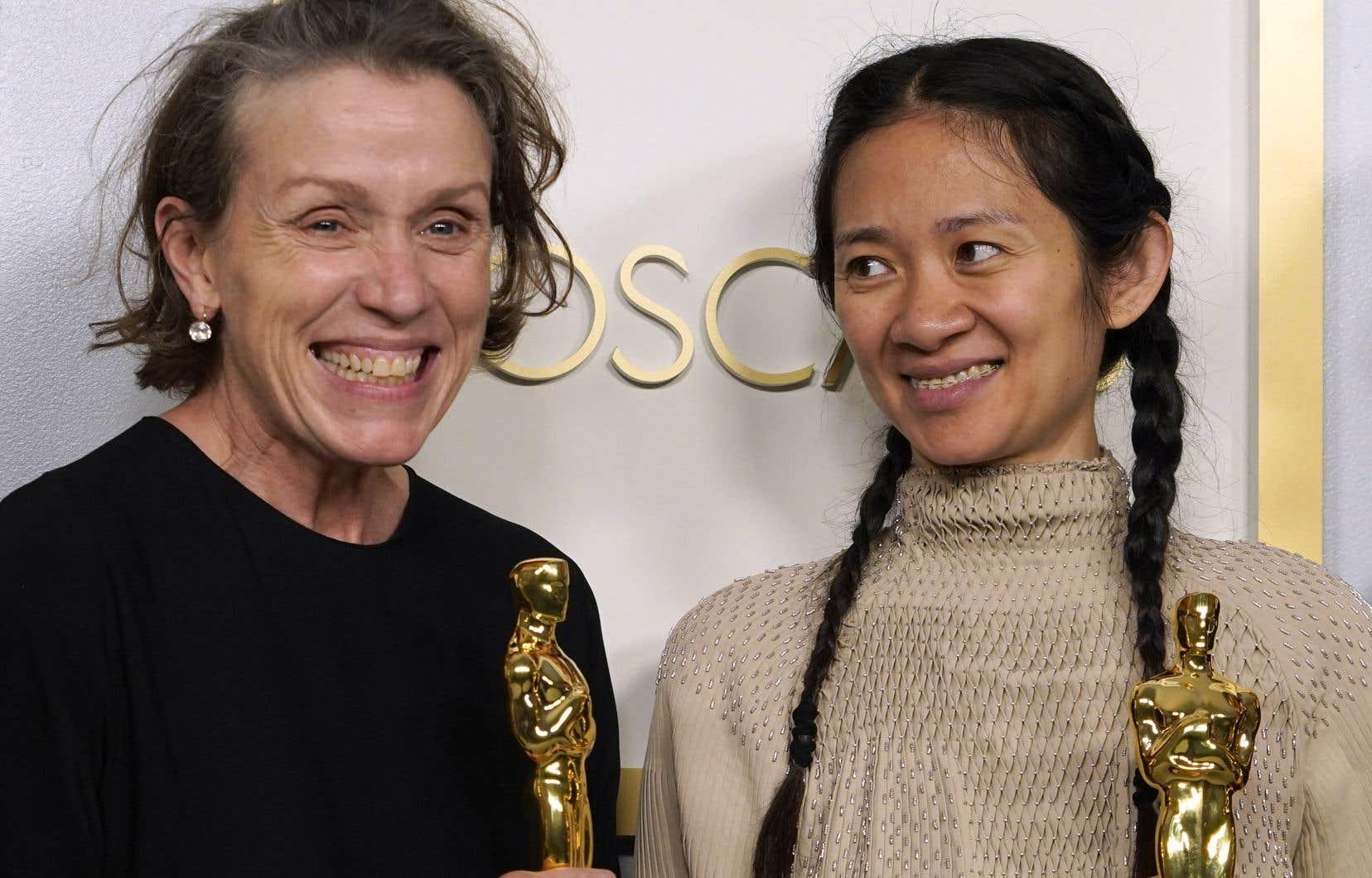 <p>Frances McDormand (à gauche) etChloé Zhao</p>
