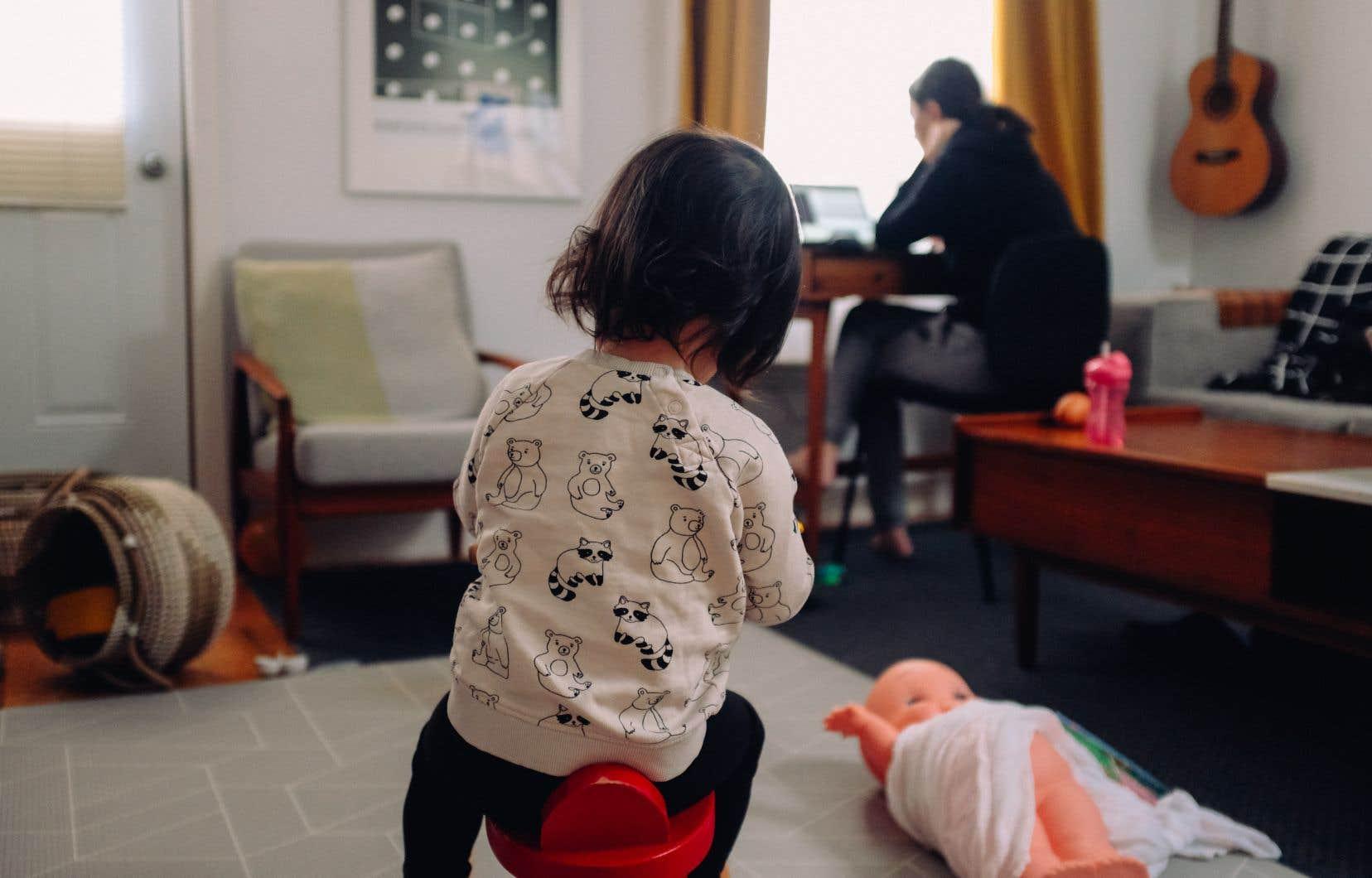 «Il est très dur [pour les employés] de fournir le même travail à la maison avec des enfants», pointe la présidente de la SGPQ, Line Lamarre.