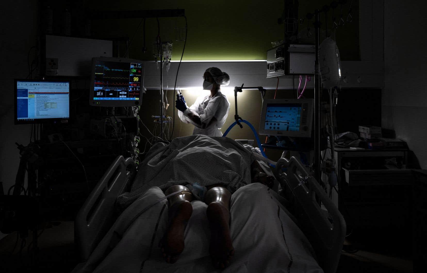 Le travail de soins, majoritairement assumé par des femmes, est injustement perçu comme relevant de prédispositions naturelles.