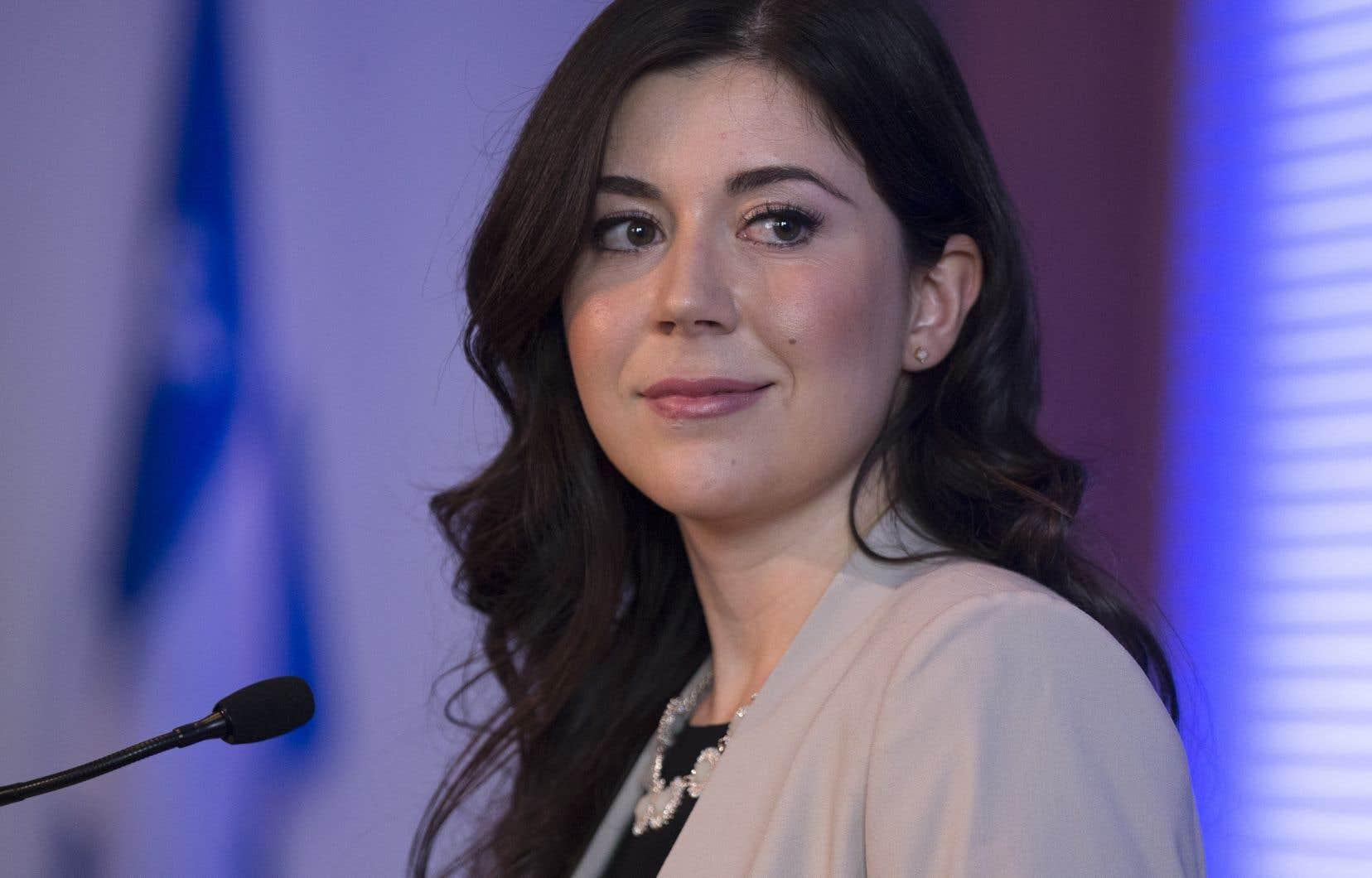 Catherine Fournier a confirmé jeudi sur les réseaux sociaux qu'elle deviendra candidate à la mairie de Longueuilen prévision du scrutin municipal du 7novembre prochain.