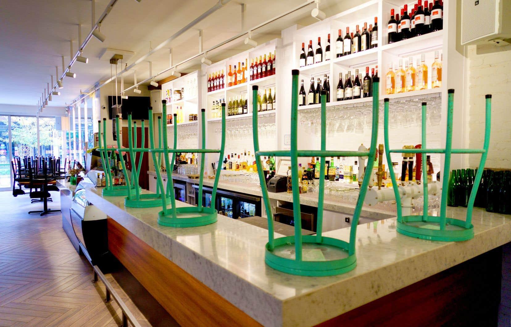 Une telle mesure apporterait un peu d'oxygène aux restaurants et aux bars qui en ont vitalement besoin, estiment deux regroupements d'établissements licenciés du Québec.