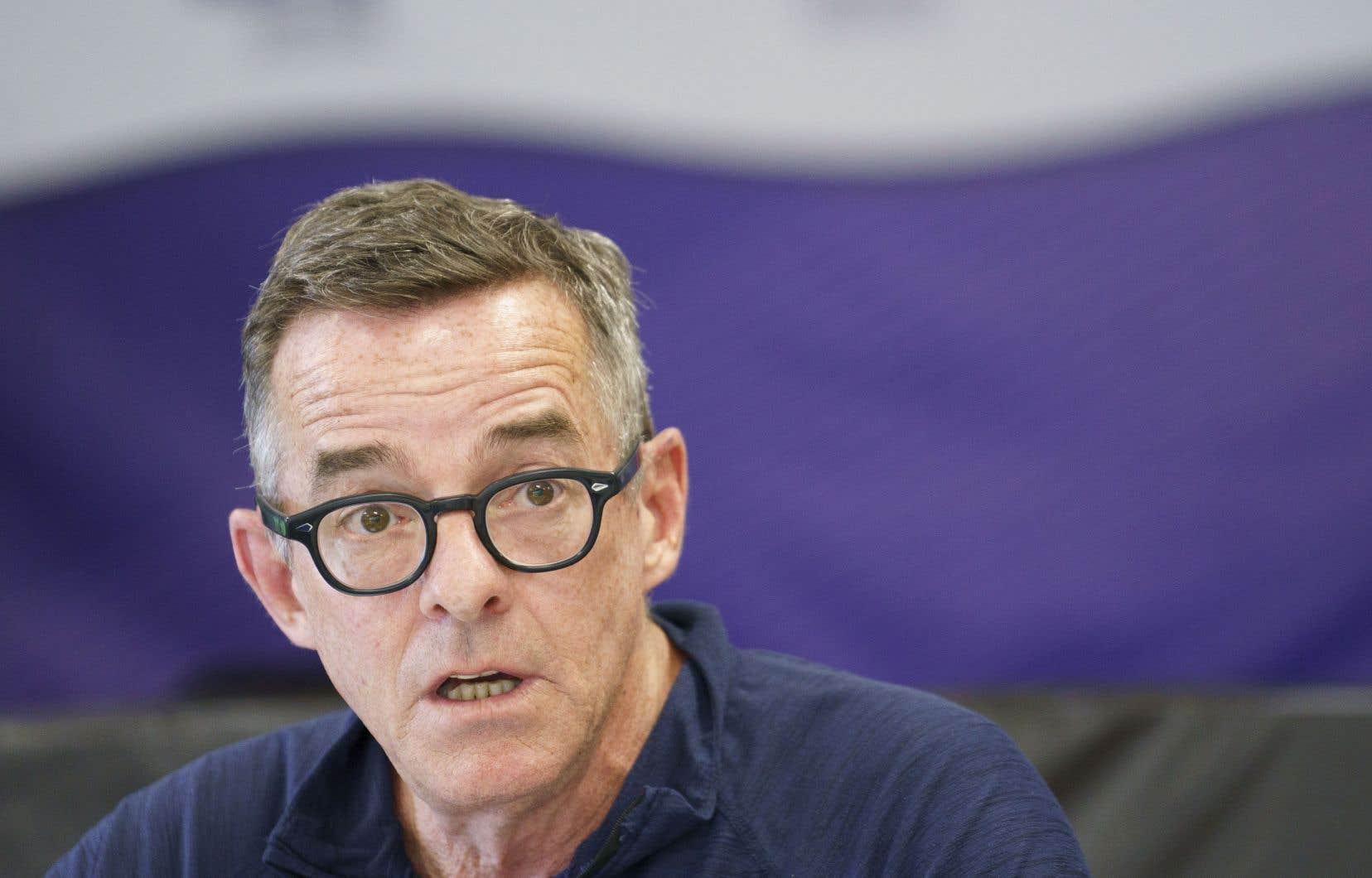 Michel Murray, porte-parole du Syndicat des débardeurs, a affirmé que la loi spéciale représentait une attaque contre le droit de grève constitutionnel des travailleurs.