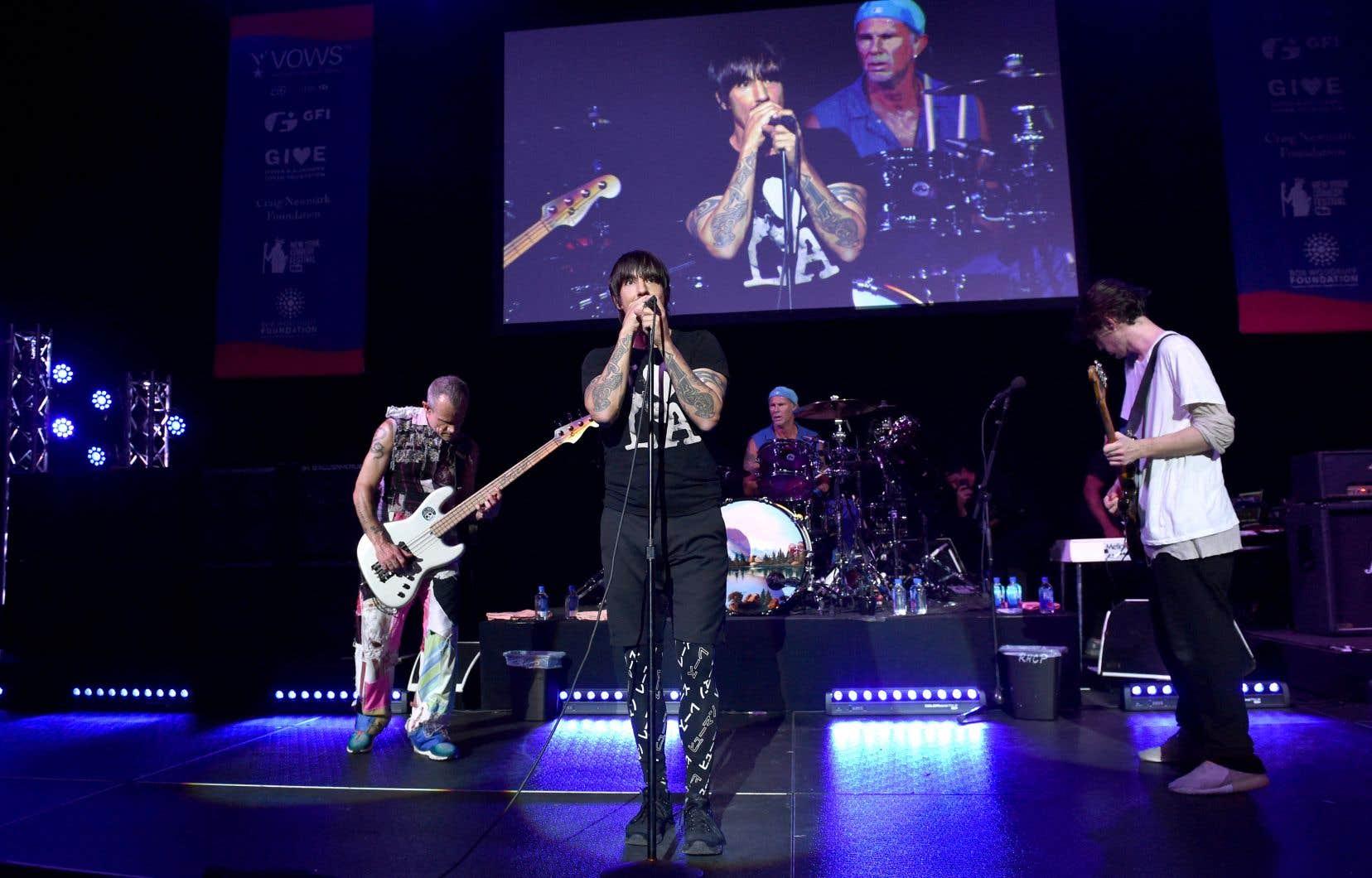 Au total, la bande déjantée emmenée par le chanteur Anthony Kiedis et le bassiste Flea a placé sept albums dans le top 10 des ventes aux États-Unis, dont «Californication», qui s'est vendu à plus de 15millions d'exemplaires dans le monde.