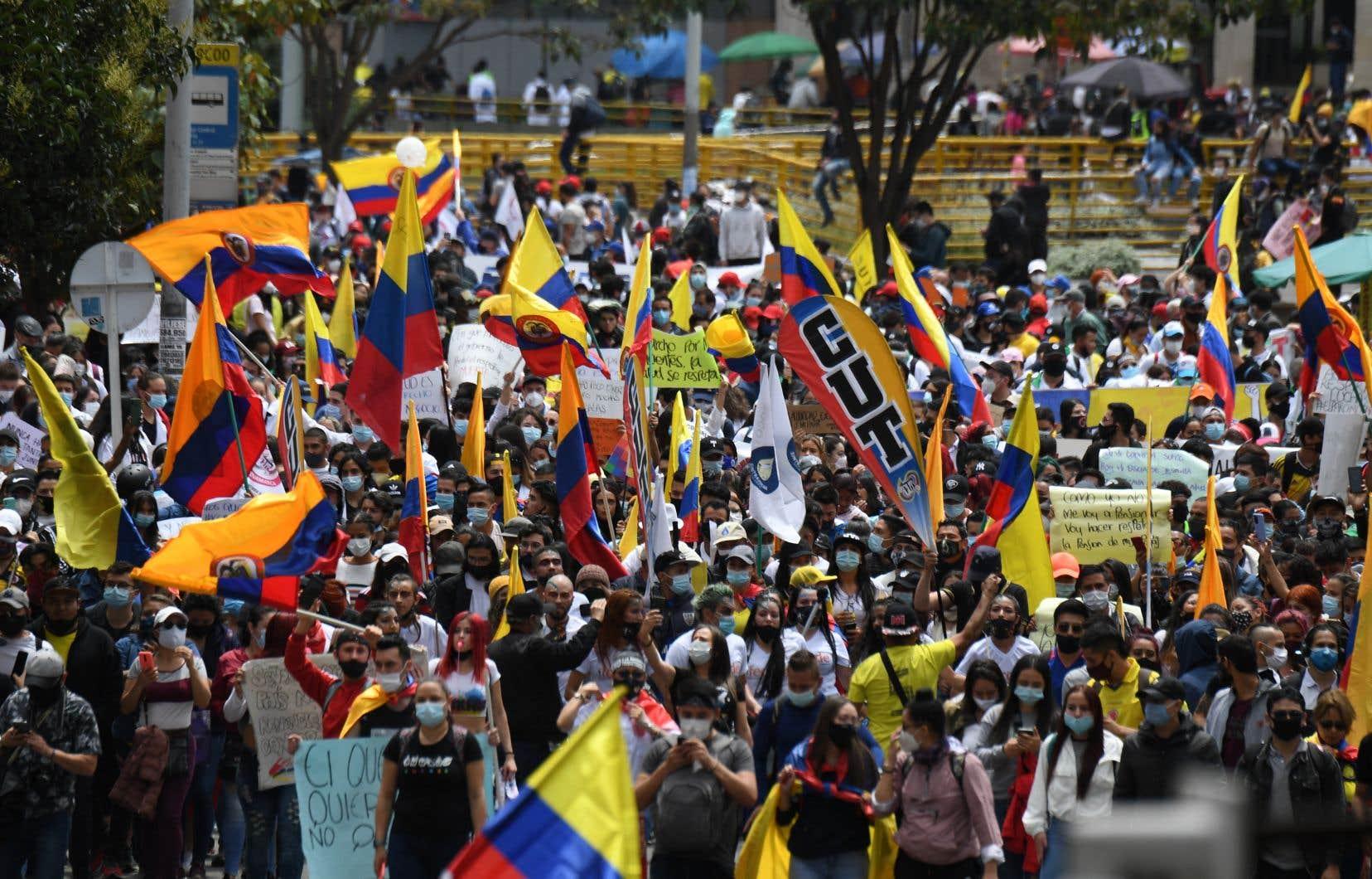 Syndicats, étudiants, indigènes et d'autres secteurs ont commencé à se mobiliser dans les principales villes du pays contre les politiques de santé, d'éducation, de sécurité et pour dénoncer les abus des forces de l'ordre.