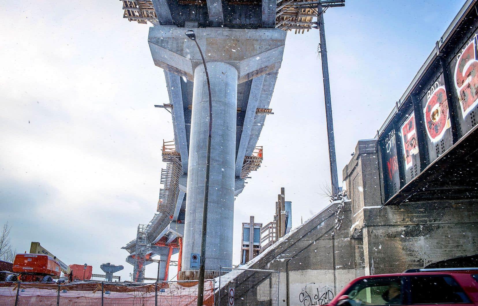 Des résidants des secteurs concernés et des experts ont dénoncé la formule du tracé aérien du REM dans l'Est de l'île de Montréal, considérée comme une structure trop invasive par rapport à un tunnel.