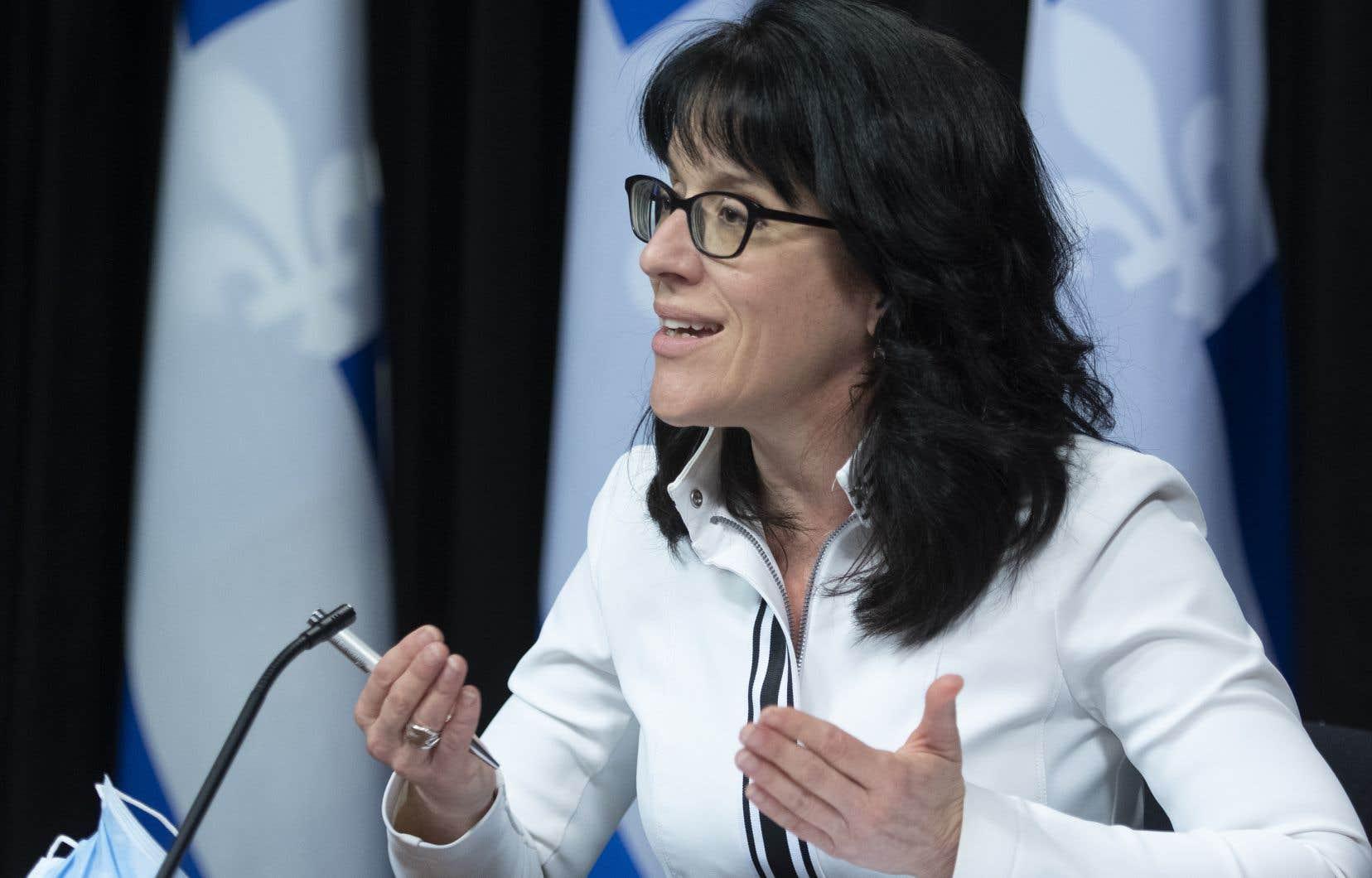 Sonia LeBel a admis mercredi soir ne «pas encore [avoir] rédigé» un nouveau plan d'action pour remplacer celui légué par son prédécesseur, le ministre libéral Jean-Marc Fournier.