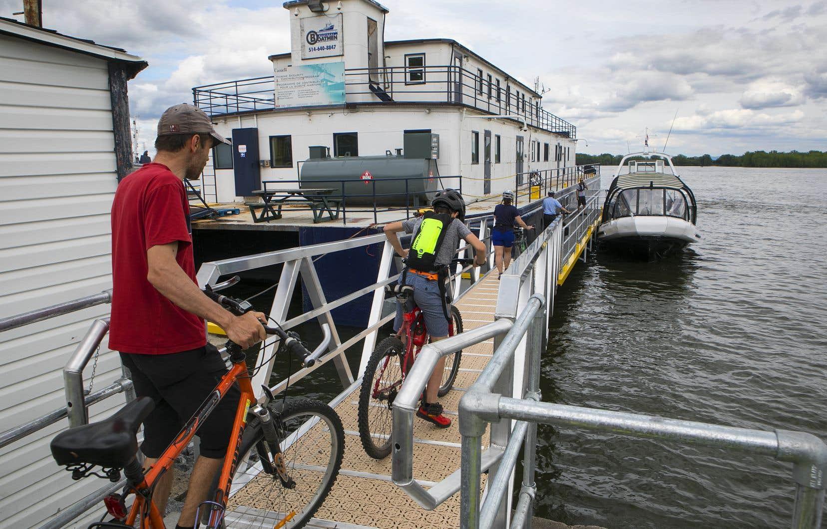 De la mi-juin à la fin septembre, ce sont ainsi près de 60000 personnes qui sont alors montées à bord de la navette fluviale, qui permet de relier le Vieux-Port de Montréal au quartier Pointe-aux-Trembles en moins de 30 minutes, soit plus rapidement qu'en voiture aux heures de pointe.