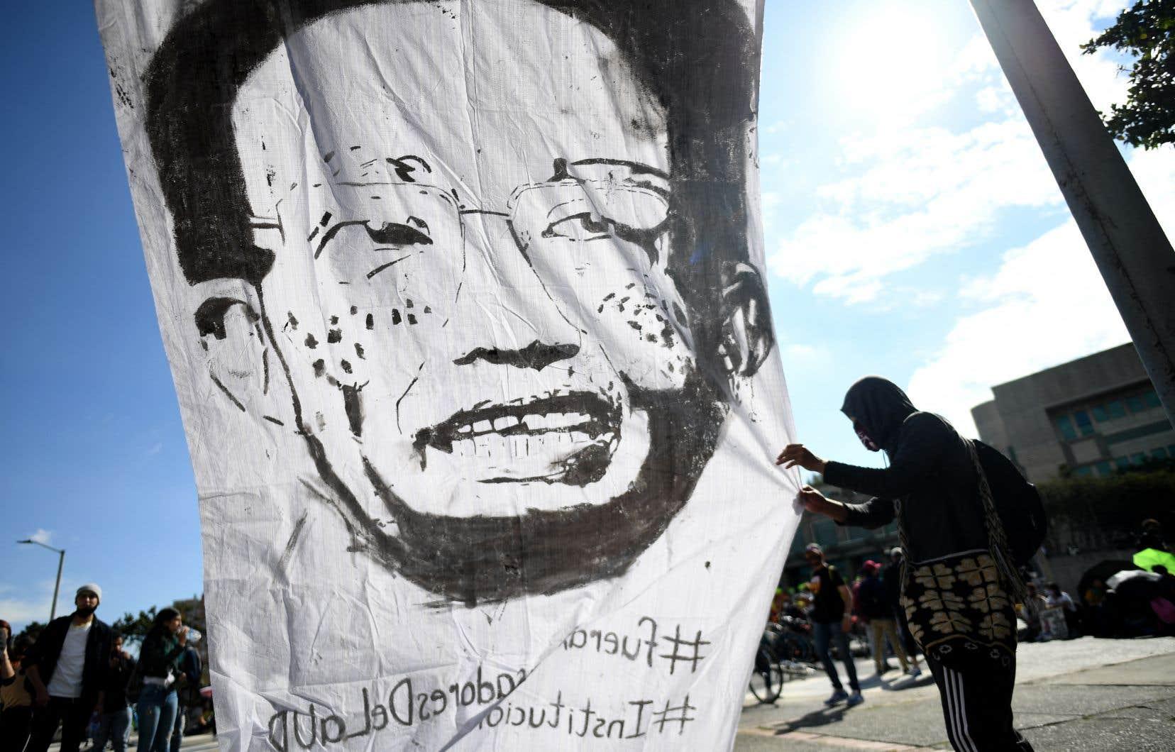 Manifestation contre le président Ivan Duque à Bogotá vendredi.