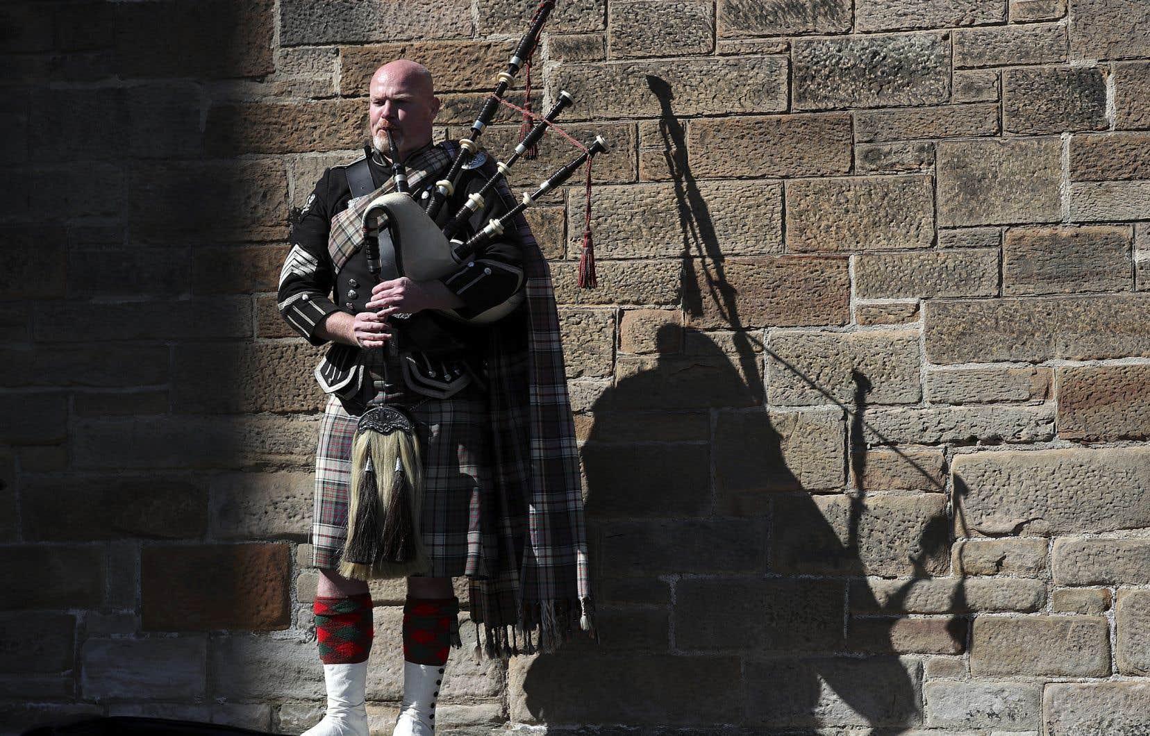 L'objectif  du Scottish National Party, qui s'appuie sur le Brexit contre lequel s'étaient prononcés les Écossais, est que l'Écosse rejoigne l'Union européenne  en tant qu'État indépendant.