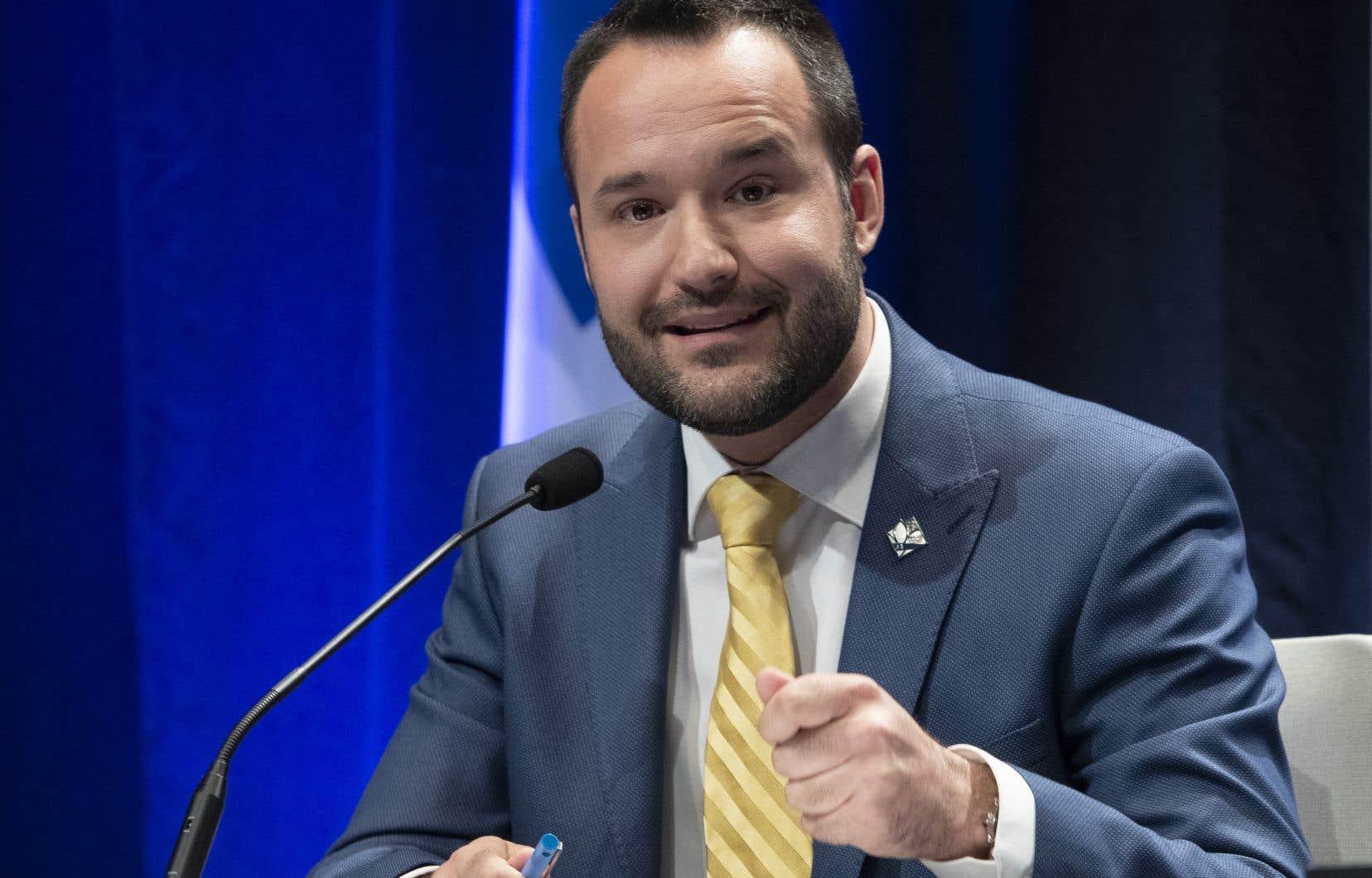Le ministre qubécois de la Famille, Mathieu Lacombe