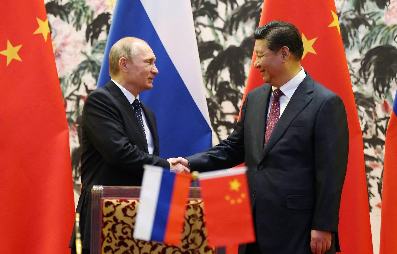 Il est douteux que la Russie et la Chine rendent aux États-Unis le service de se laisser séparer, tellement elles sont convergentes, estime l'auteur.