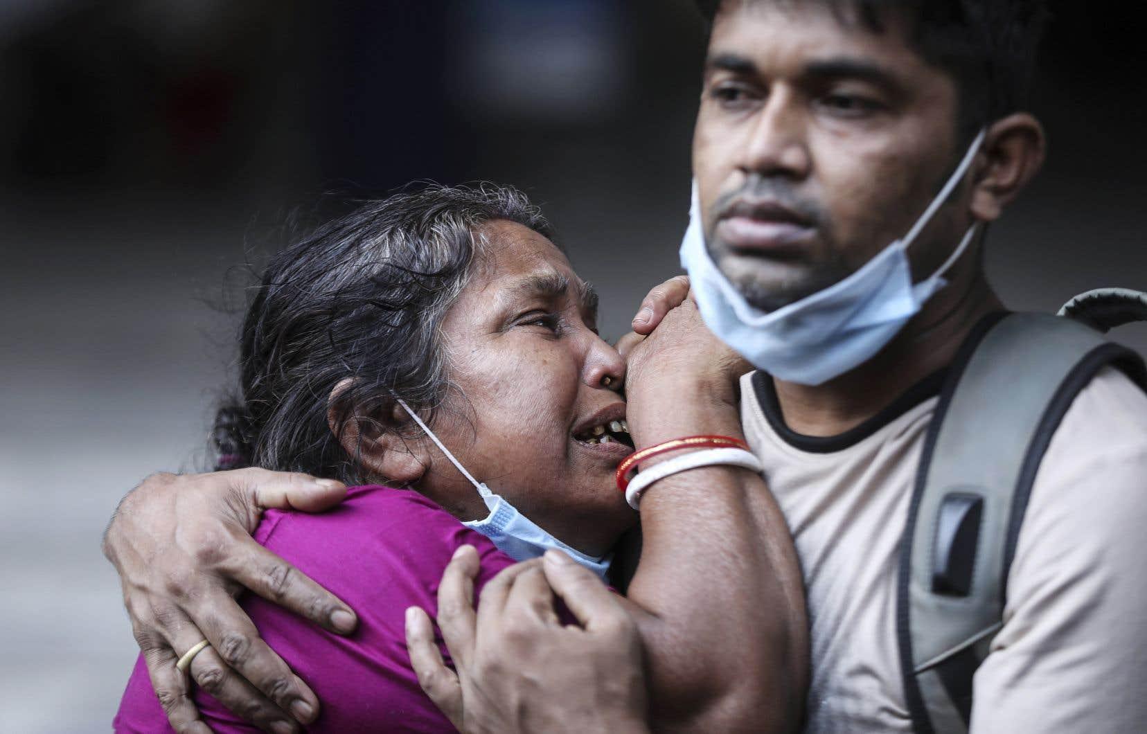 L'Inde a franchi mercredi la barre des 250 000 décès liés à la COVID-19 depuis le début de la pandémie, dont 4205 en l'espace de 24 heures, selon les données officielles.