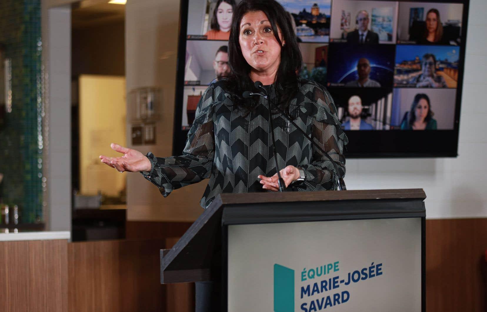 Marie-Josée Savard sera épaulée pendant la campagne par un certain nombre de conseillers d'Équipe Labeaume, ainsi que par son personnel politique.