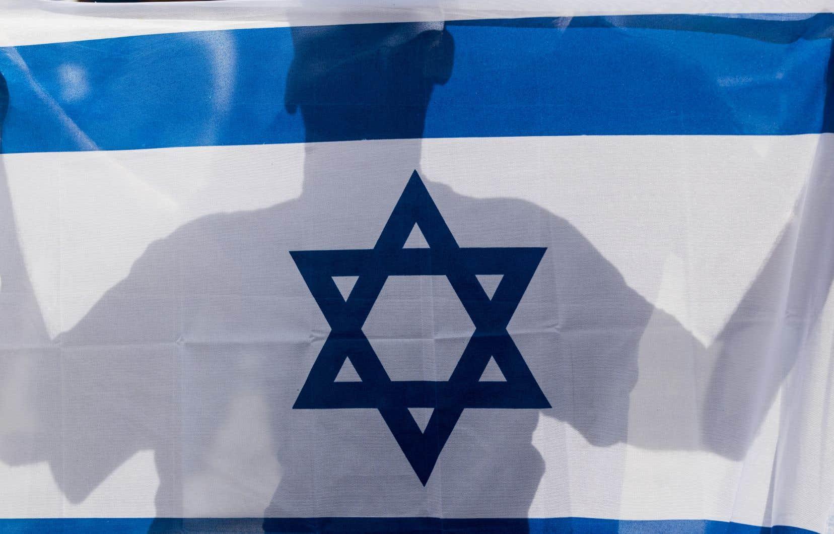Israël compte officiellement 1,8million d'Arabes, musulmans et chrétiens, soit environ 20% de sa population, descendants des 160000 Palestiniens restés en 1948.