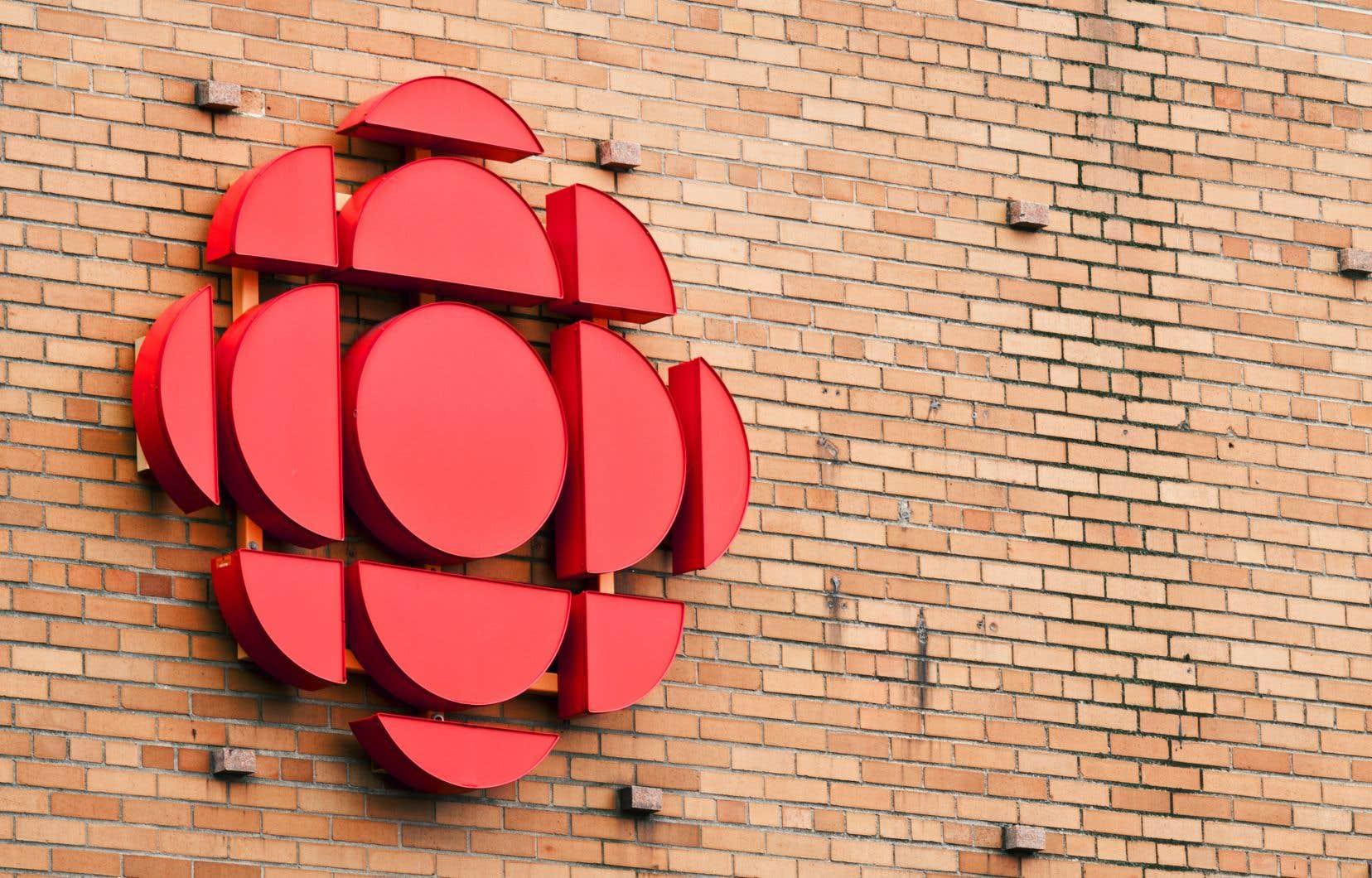 À compter de septembre, les gens qui syntoniseront une chaîne de Radio-Canada écouteront un bulletin de nouvelles produit non plus ici, mais à Rimouski, déplore la mairesse de Rivière-du-Loup.