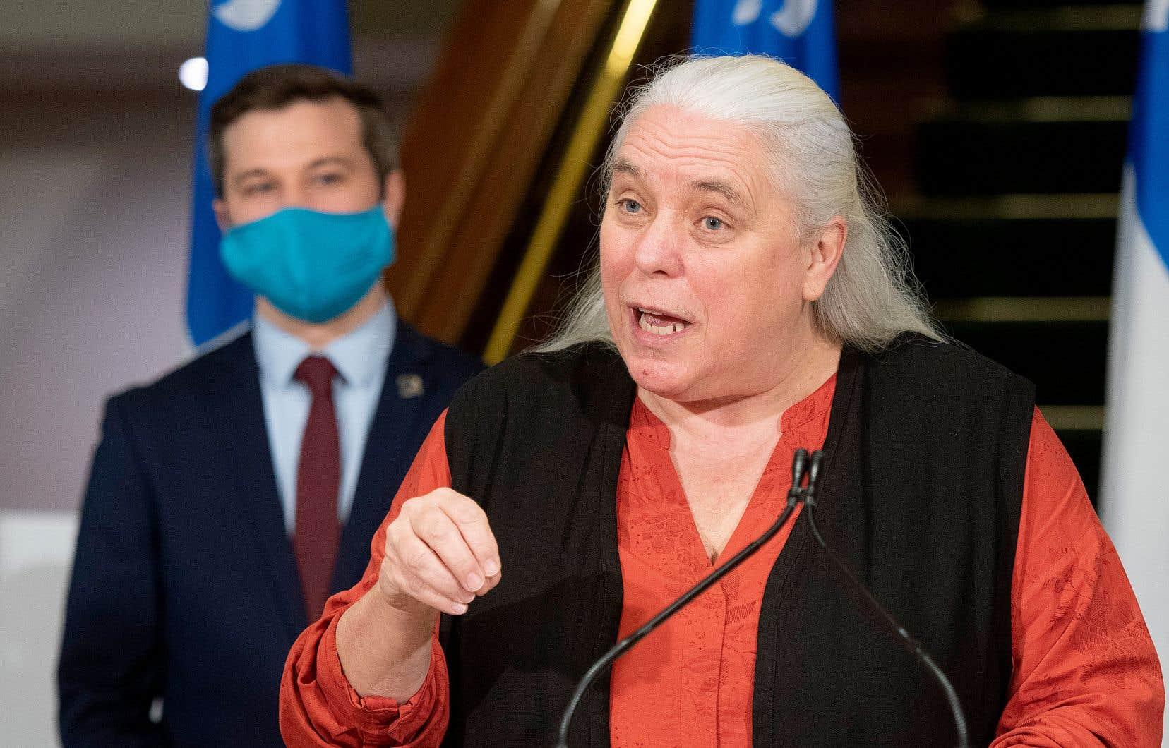 Manon Massé entend solliciter un nouveau mandat de députée en 2022 et demeurer co-porte-parole du parti si les membres lui renouvellent leur confiance lors du prochain congrès.