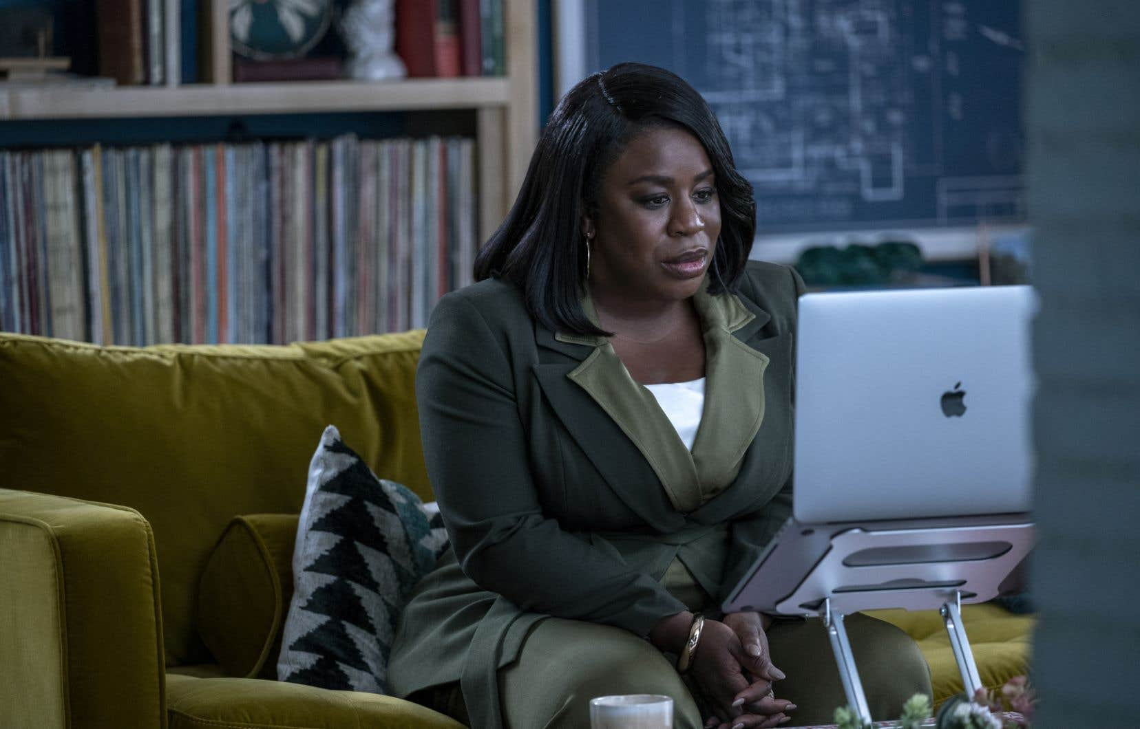 Afin d'être en phase avec l'époque, ce n'est plus un homme blanc que l'on va consulter dans cette nouvelle saison. La docteure Brook Lawrence est interprétée par Uzo Aduba, révélée au grand public en 2013 grâce à son rôle dans «Orange Is the New Black».