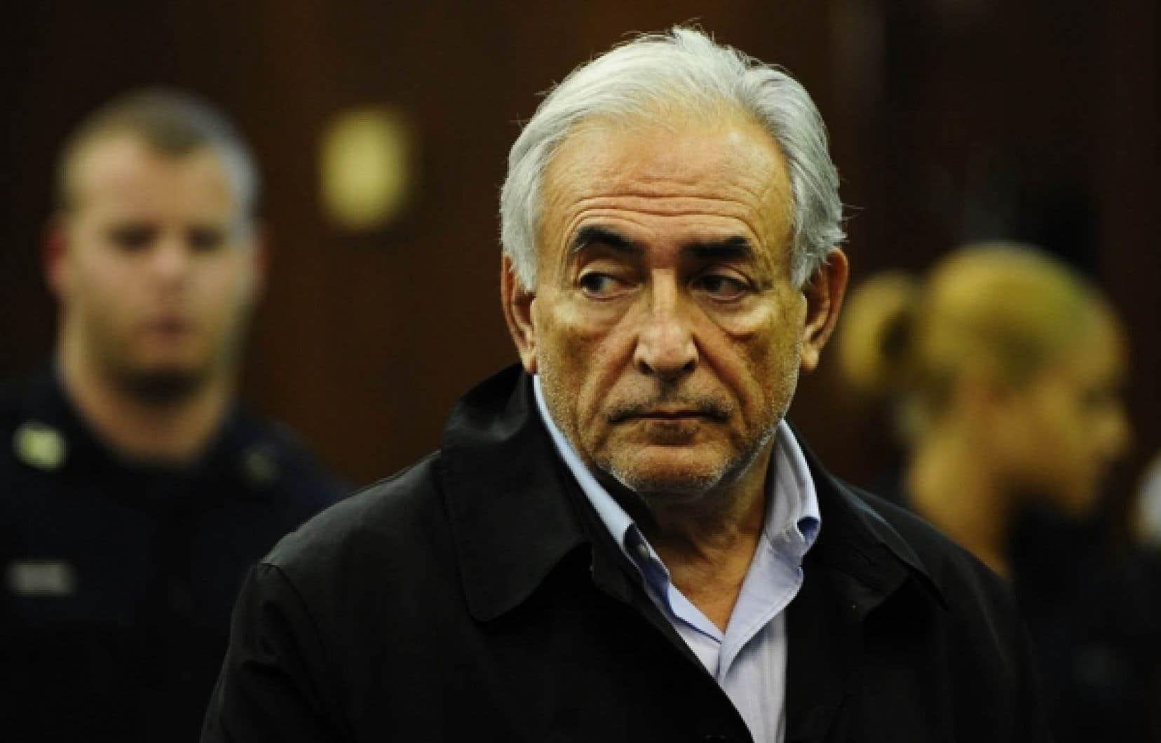 Dominique Strauss-Kahn comparaissant devant le tribunal pénal de Manhattan, hier. Le directeur du FMI a été inculpé d'agression sexuelle, de tentative de viol et de séquestration.