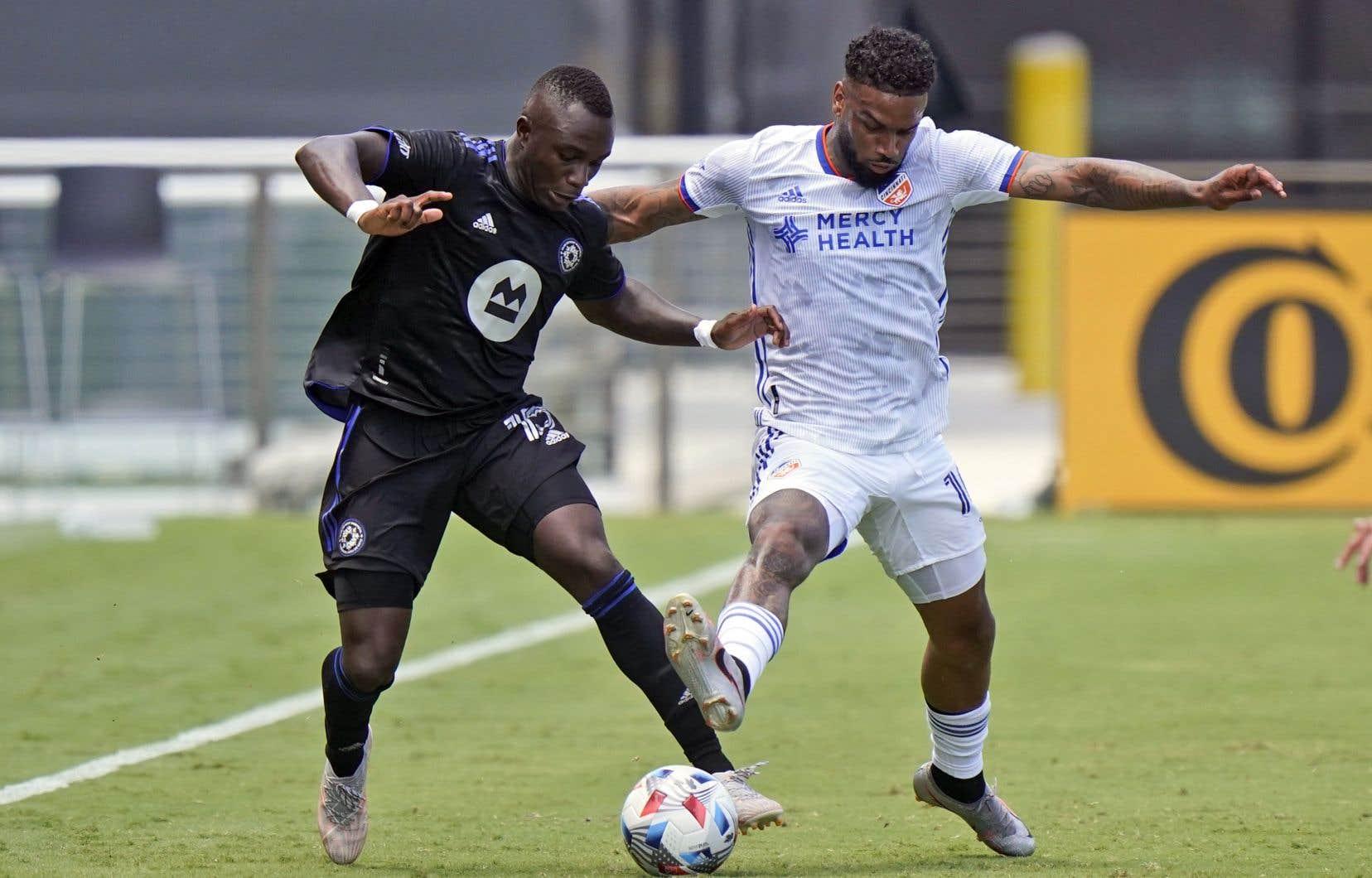 Ce match a marqué le retour du défenseur latéral Zachary Brault-Guillard après une absence de trois matchs.