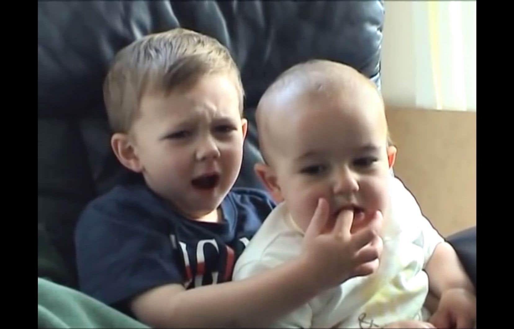 La vidéo intitulée «Charlie Bit My Finger» a été visionnée 883millions de fois sur YouTube.