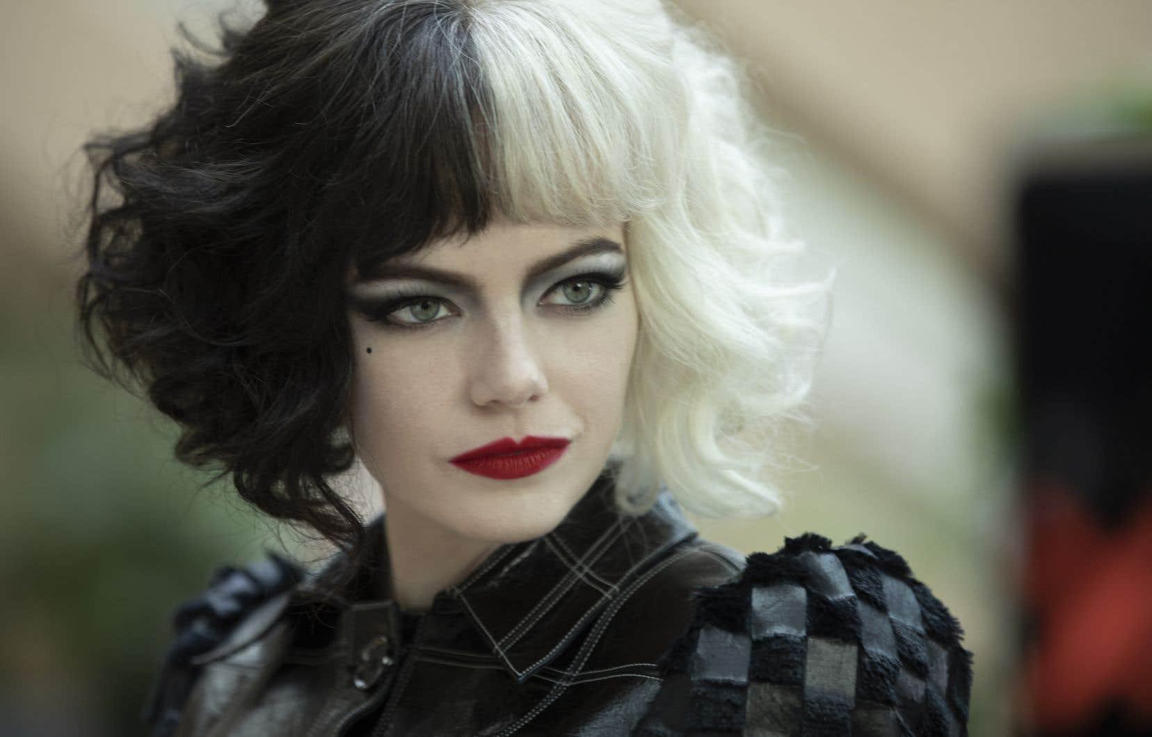 Disney reprend la formule gagnante de Maleficent en imaginant une genèse à l'une de ses «vilaines» emblématiques, interprétée par Emma Stone.