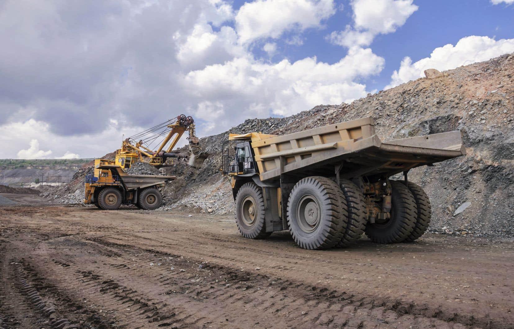 Plusieurs nouveaux magnats du secteur minier salivent devant les milliards en subventions qu'on agite sous leur nez, déplorent les auteurs.