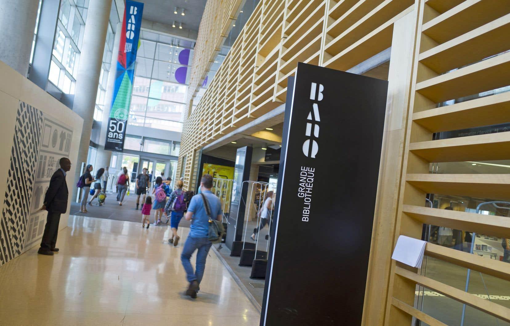 BAnQ contribue à la cohésion de vastes domaines de l'activité économique et sociale de la culture, dont notamment ceux des archives privées et des bibliothèques publiques, estime l'auteur,