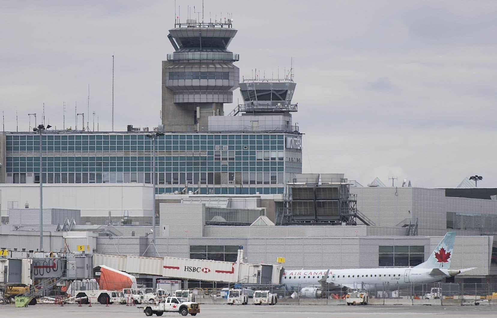 L'aéroport  international Pierre-Elliott-Trudeau  de Montréal
