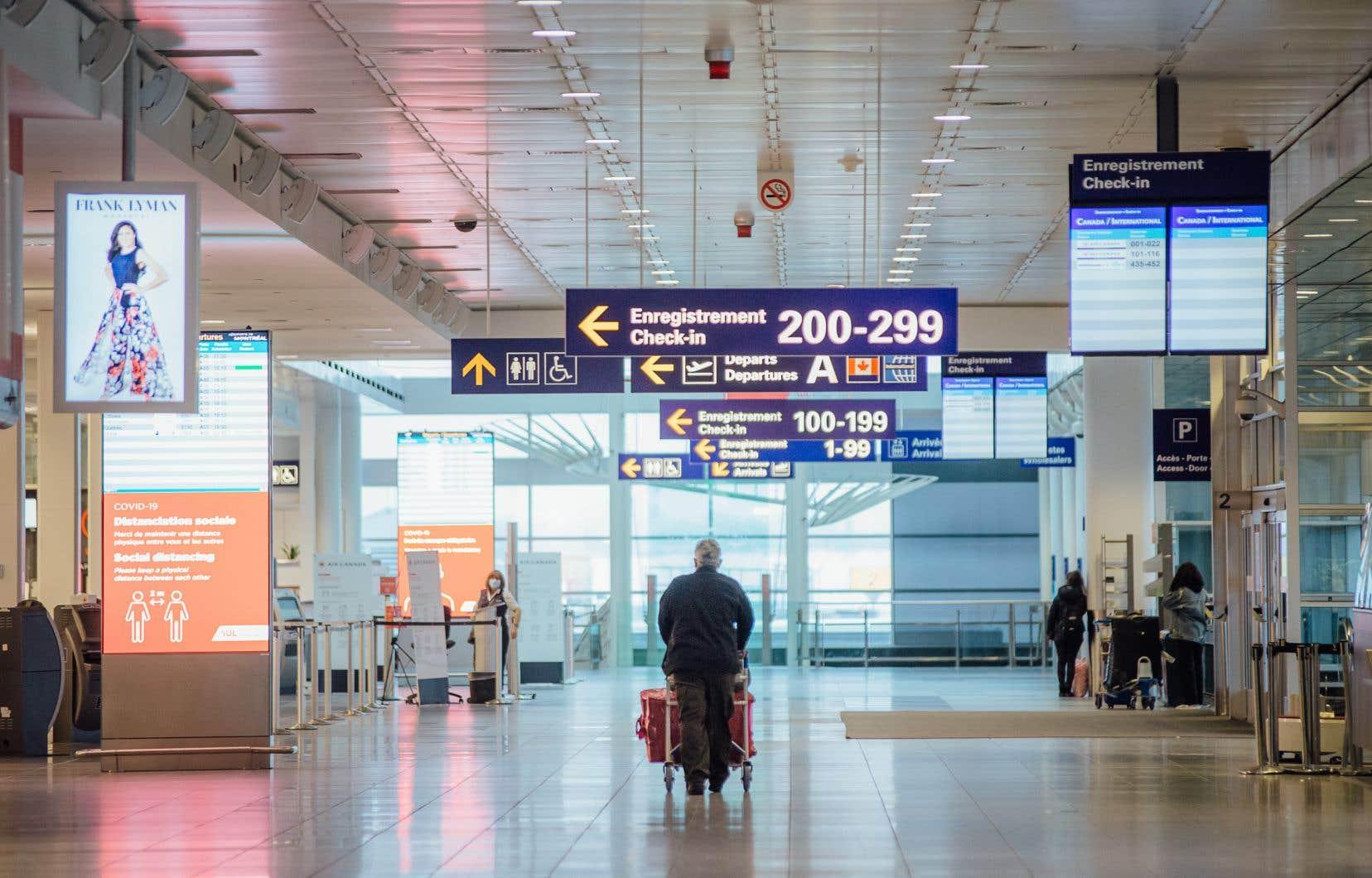 L'obligation de quarantaine à l'hôtel pendant trois jours, en attendant un résultat négatif de test PCR à l'arrivée au Canada, a été mise en place en février et récemment prolongée jusqu'au 21juin.