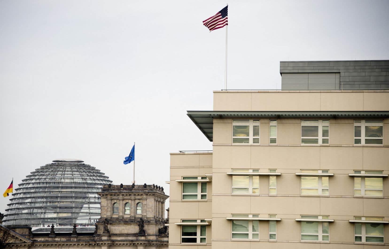 L'espionnage par Washington de ses alliés européens jusqu'au plus haut niveau est largement connu depuis les révélations du lanceur d'alerte Edward Snowden, mais le rôle qu'auraient pu jouer certains pays de l'Union européenne dans l'opération accroît encore le scandale.