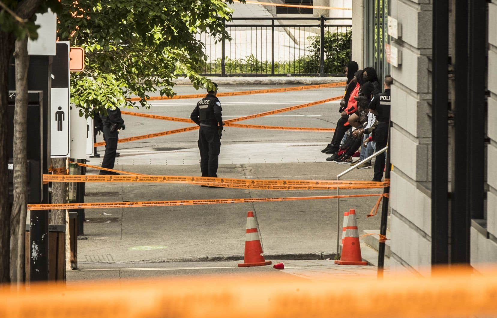 L'enquête du SPVM a rapidement permis de retrouver quatre suspects, dont la victime blessée, un homme de 29ans. Les autres suspects sont deux hommes de 25ans et un troisième de 36ans.