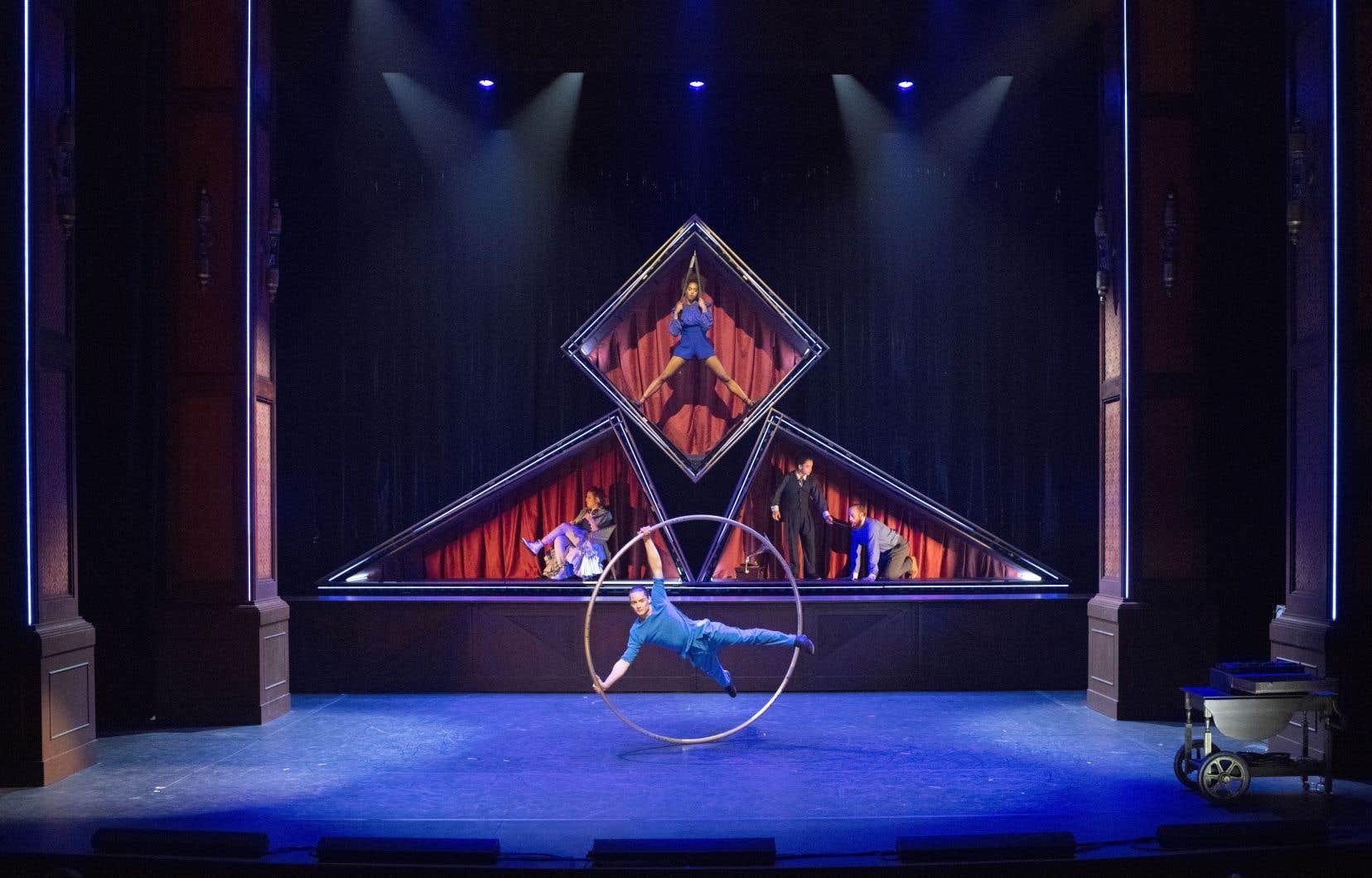 Une scène du spectacle «Hotel» du cirque Éloize
