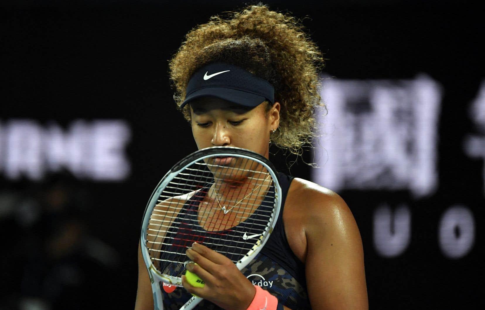Osaka a décidé de se retirer du tournoi de Roland-Garros, lundi, affirmant qu'elle ressentait «d'énormes vagues d'anxiété» avant de rencontrer les médias et révélant qu'elle avait «souffert de longues périodes de dépression».