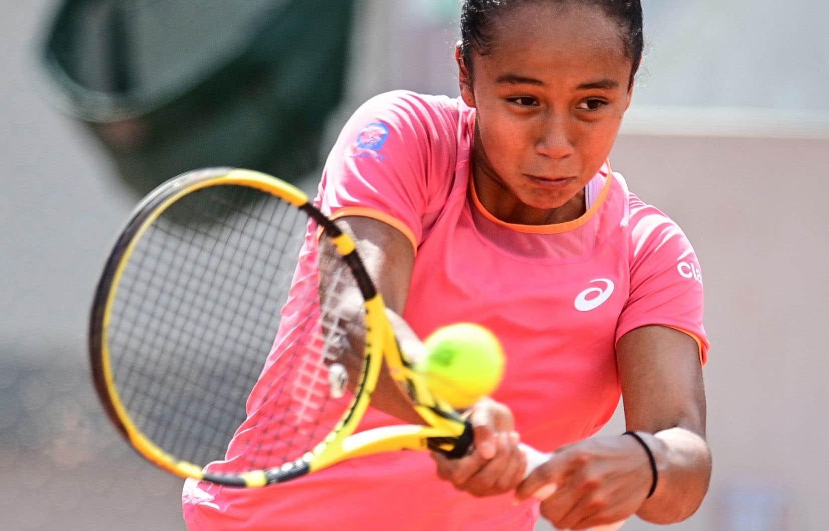 La Québécoise Leylah Annie Fernandez a été défaite 6-1, 7-5 par l'Américaine Madison Keys au deuxième tour des Internationaux de tennis de France, mercredi.