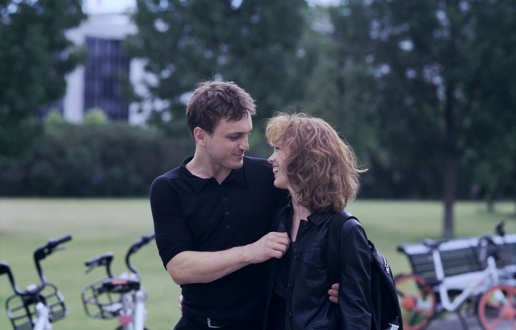 Dans le rôle-titre qui lui a valu l'Ours d'argent de la meilleure actrice à la Berlinale, la magnétique Paula Beer est captivante et forme avec Franz Rogowski un couple hanté des plus romantiques.