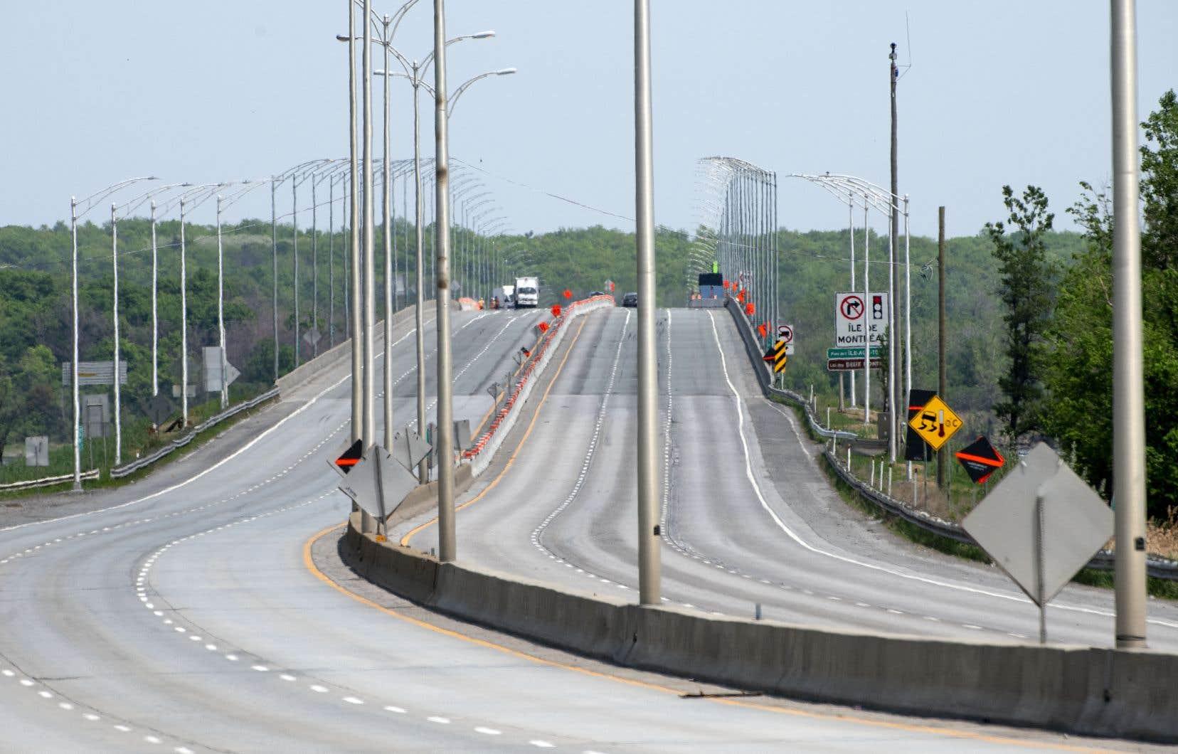 Le gouvernement avait dû fermer d'urgence le pont de l'Île-aux-Tourtes en raison de bris et de dommages causés à des tiges de renforcements lors de travaux de forage.