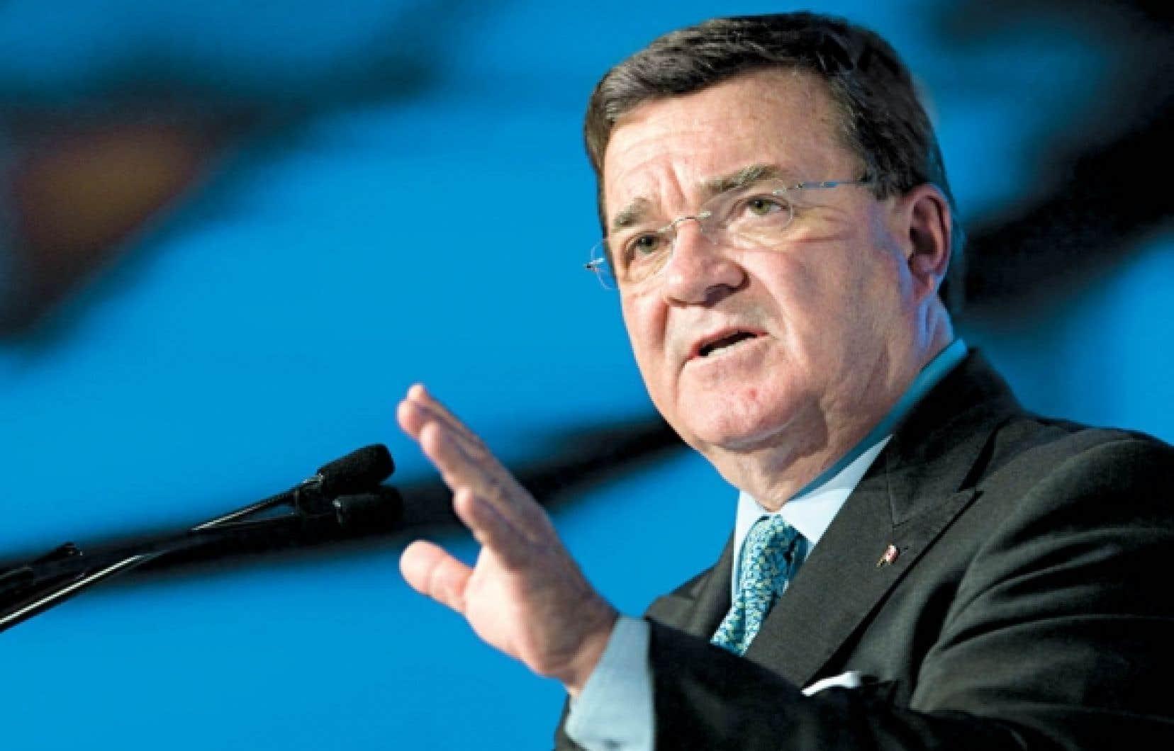 Jim Flaherty : «On ne fait pas dans les augmentations d'impôt. Nous, on les baisse.»