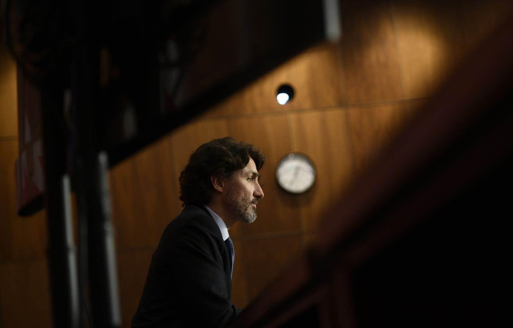 « Pour vraiment panser ces blessures, nous devons d'abord reconnaître la vérité, non seulement sur les pensionnats, mais sur les injustices passées et présentes auxquelles les peuples autochtones sont confrontés », a déclaré jeudi le premier ministre Justin Trudeau.
