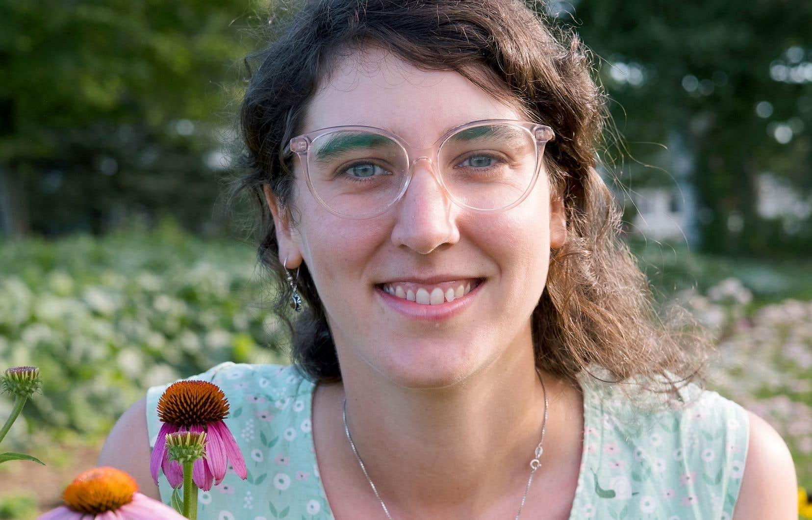 L'historienne et agricultrice Mia Dansereau-Ligtenberg a commencé à s'intéresser à la médecine par les plantes durant sa jeunesse, un savoir que sa mère lui a transmis et qu'elle a cultivé avec un groupe d'amies au secondaire.