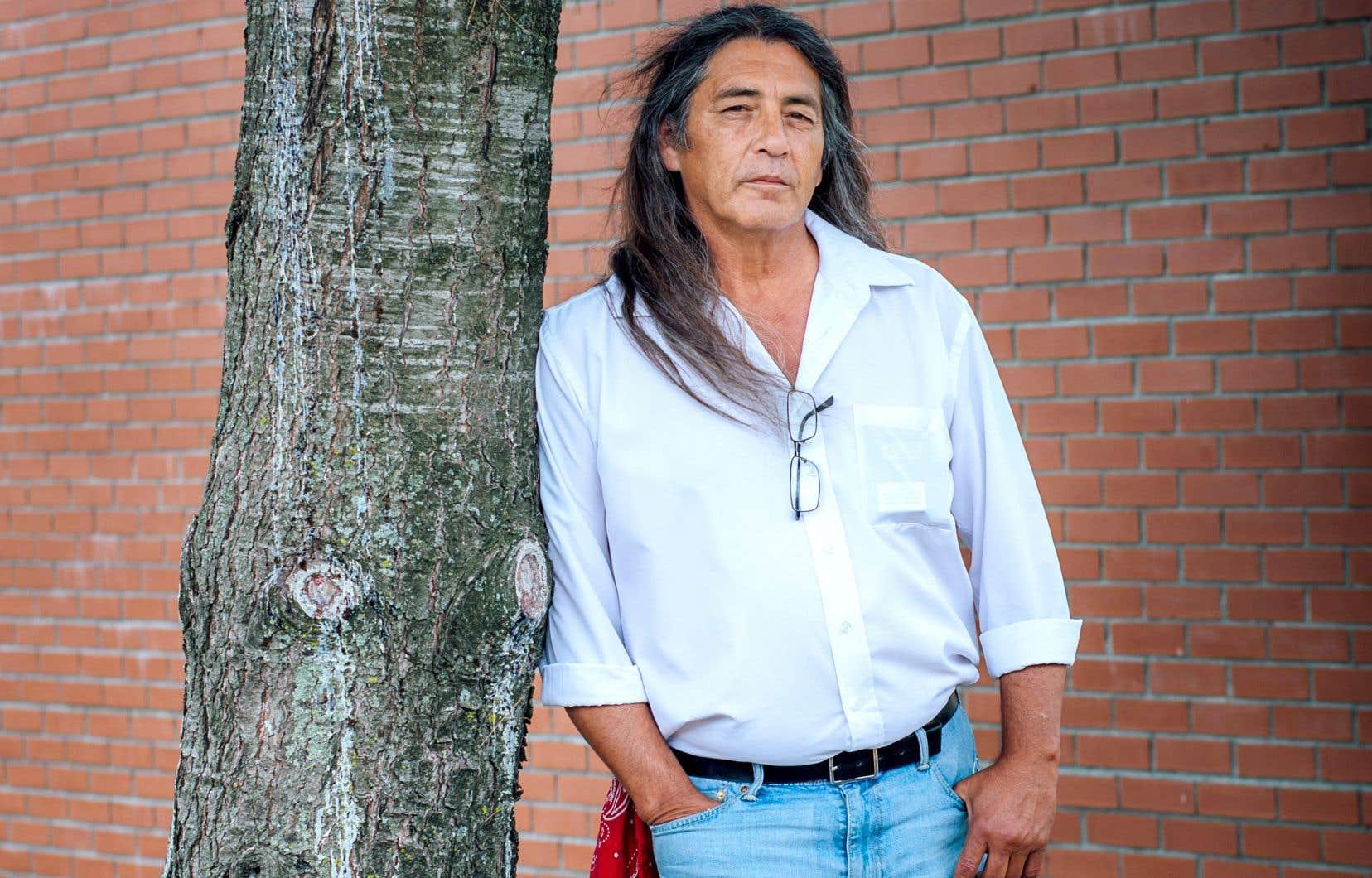 Le chef Simon souligne que les Autochtones sont très bien placés pour comprendre la fragilité du français, eux dont la langue et la culture sont en voie de disparition dans certains cas.
