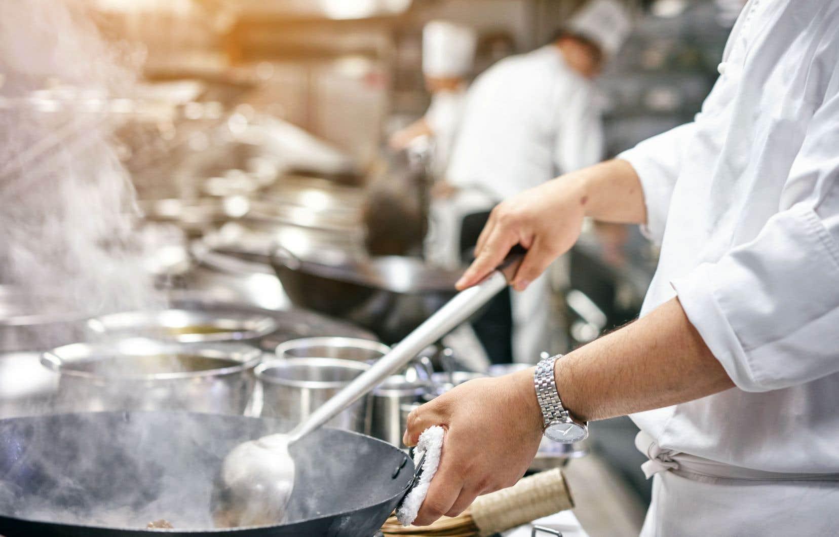 Une expérience dix ans en cuisine et un diplôme universitaire de quatre ans en gastronomie n'ont pas permis à un demandeur d'asile de travailler dans la cuisine d'un CHSLD. Photo d'illustration.