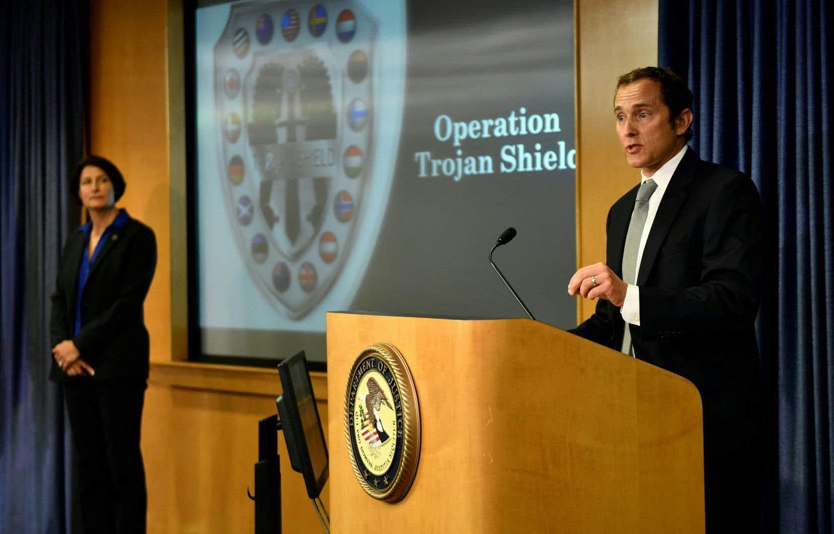 Baptisée «Bouclier de Troie» , cette opération internationale impulsée par le FBI et l'Australie a permis de mettre la main au collet de plus de800 personnes liées au crime organisé.
