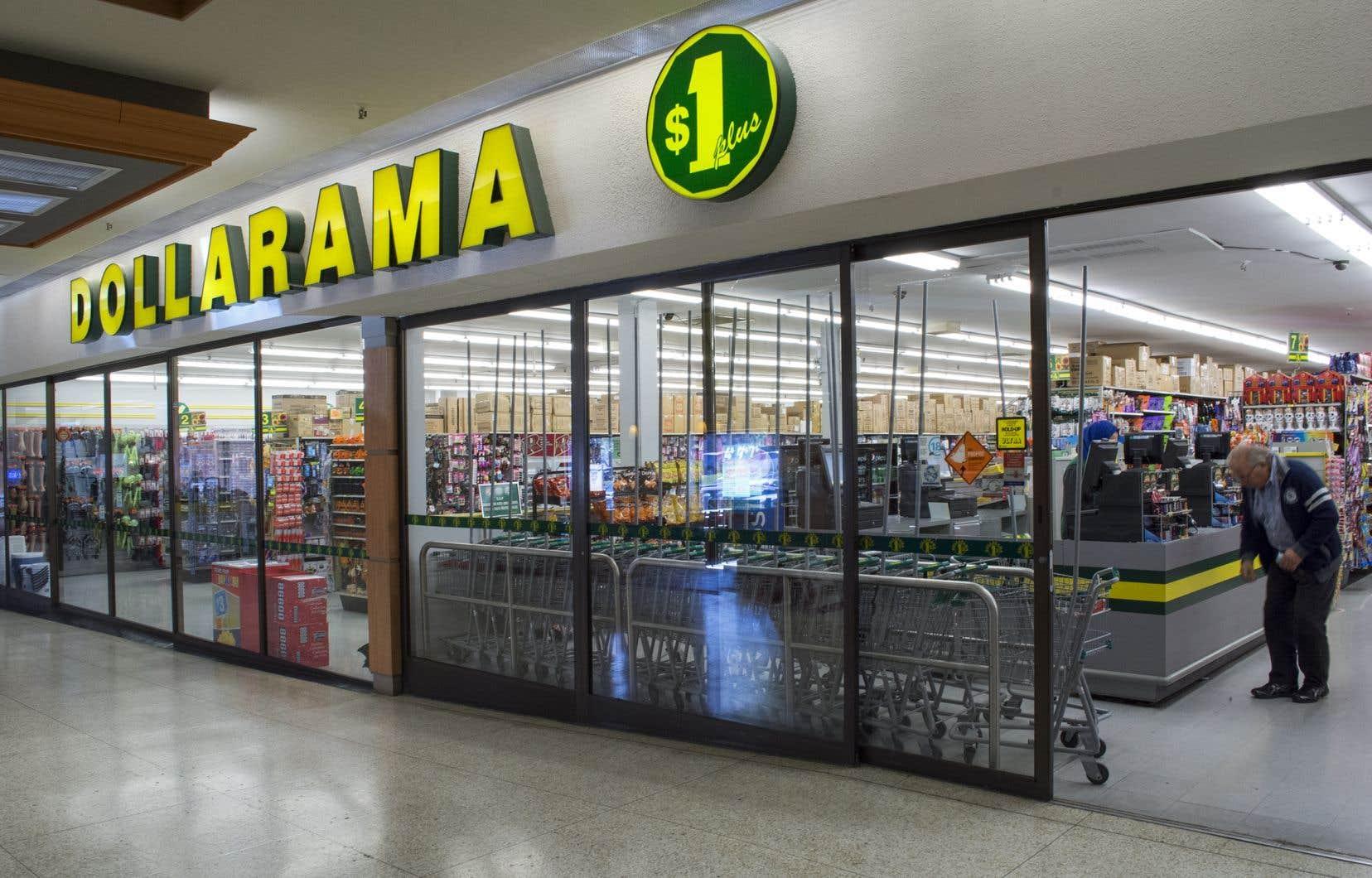 Dollarama a commencé à vendre des articles à des prix fixes plus élevés qu'un dollar en 2009 afin d'augmenter la sélection de produits offerts et leur qualité. Les prix maximaux sont passés de 2$ à 3$ en 2012, puis à 4$ en 2015.