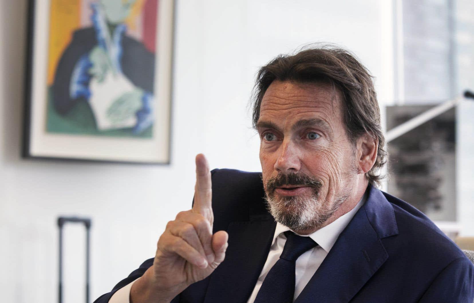 À la mi-mai, Pierre Karl Péladeau avait exprimé son désintérêt pour l'achat de Transat après avoir déposé une offre de 5$ par action qui avait été refusée par l'actionnaire principal de la compagnie aérienne.