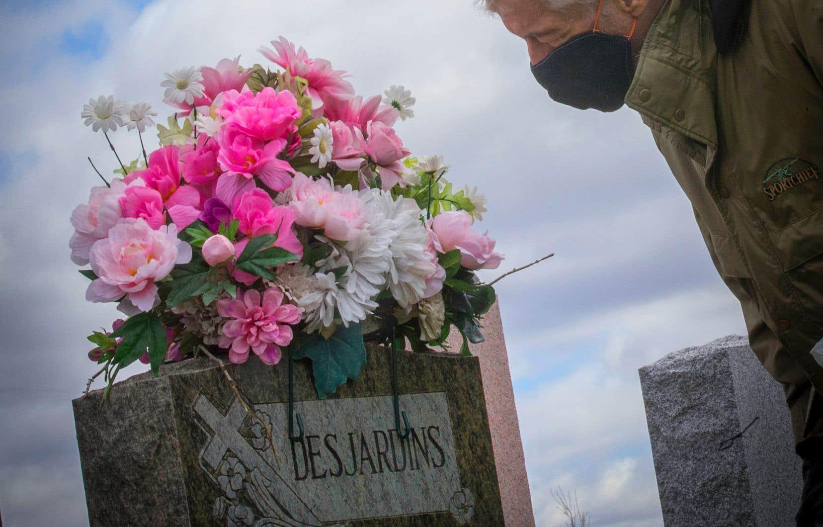 «Quand la mort survient, on peut rester sur le seuil, blessé à tout jamais. Le rituel permet de continuer», explique la professeure Diane Laflamme.