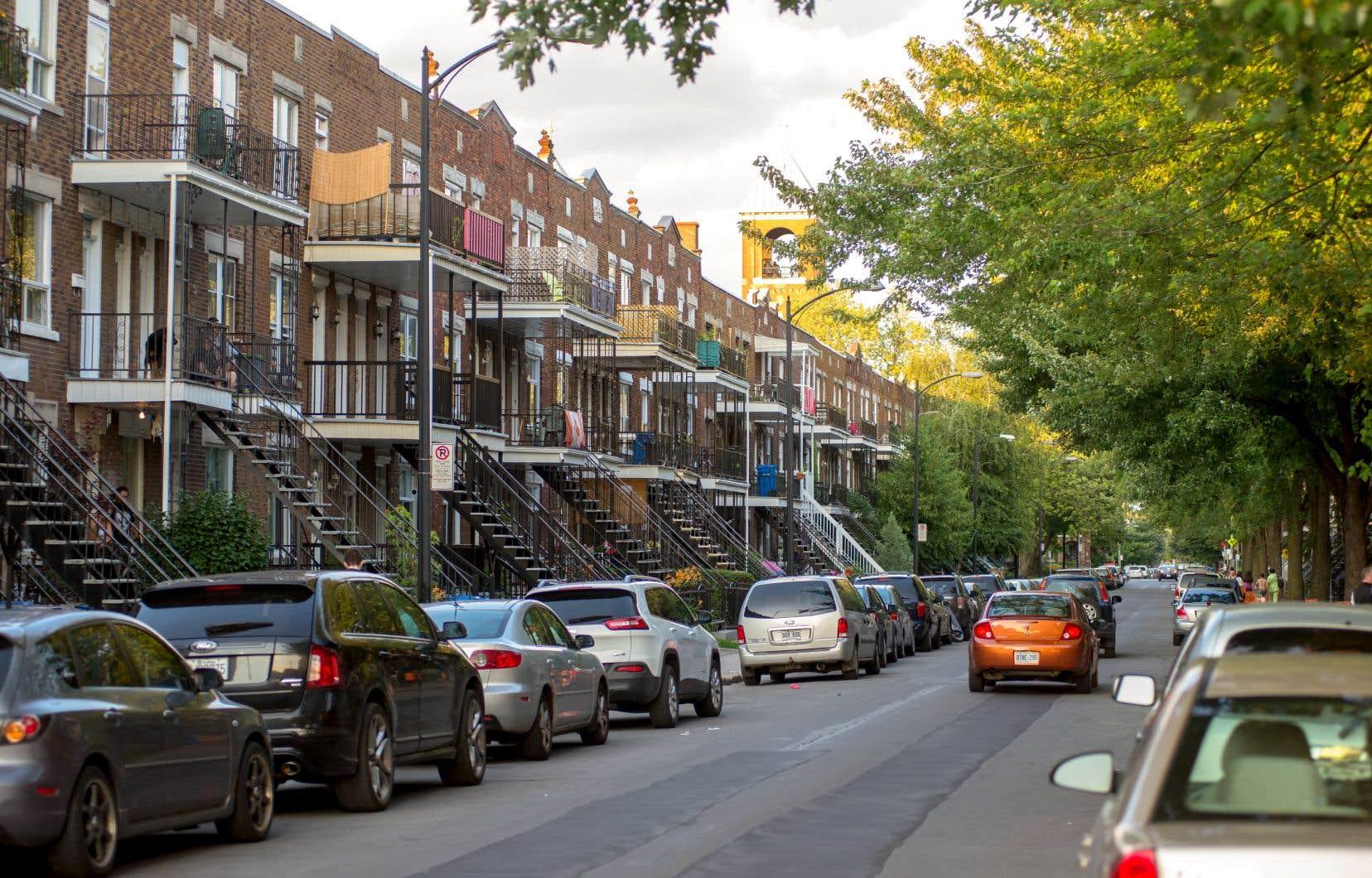 Les dernières données de la Société canadienne d'hypothèques et de logement montrent des taux d'inoccupation bien en deçà du seuil d'équilibre dans presque toutes les villes québécoises, qui sont de ce fait aux prises avec une pénurie de logements locatifs.