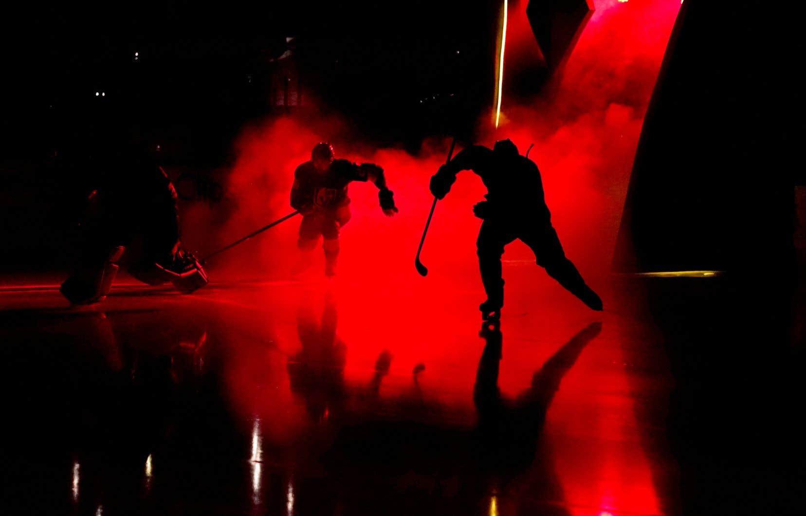 À Las Vegas, la ville du spectacle, les jeux de lumière et les effets spéciaux s'invitent même dans l'aréna des Golden Knights.