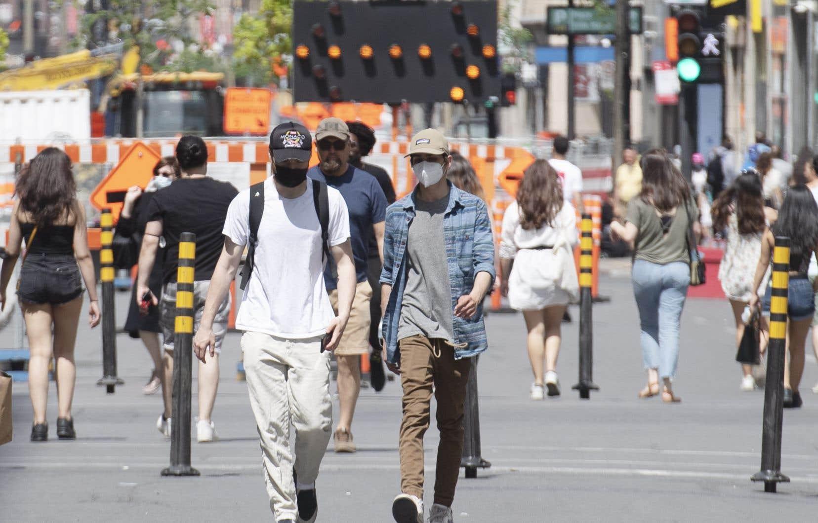 La forte majorité du Québec a donc accédé au palier jaune à la première heure, lundi. Ce qui inclut les grandes régions de Montréal et de Québec.